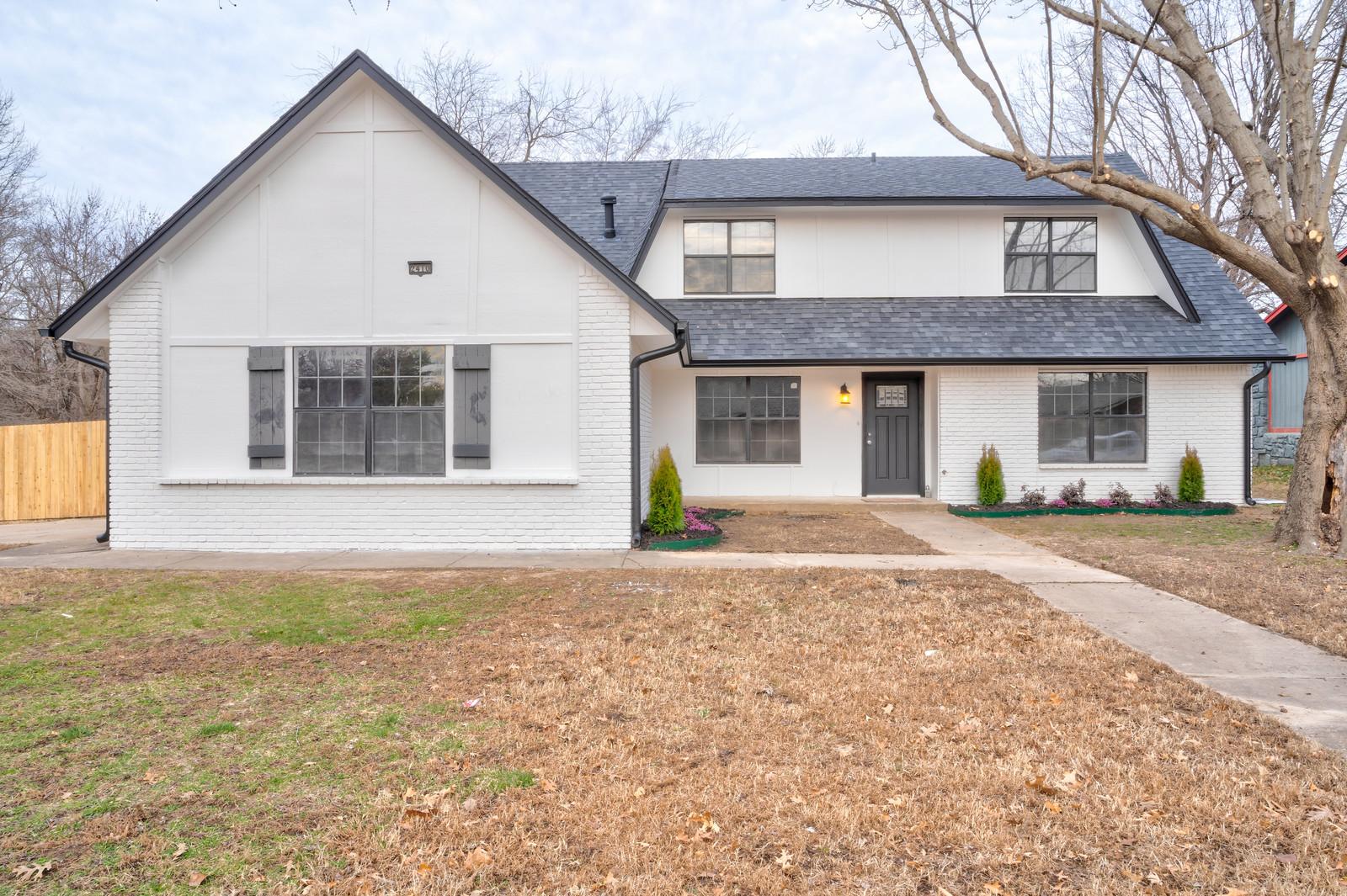 2410 S Joshua Avenue Property Photo