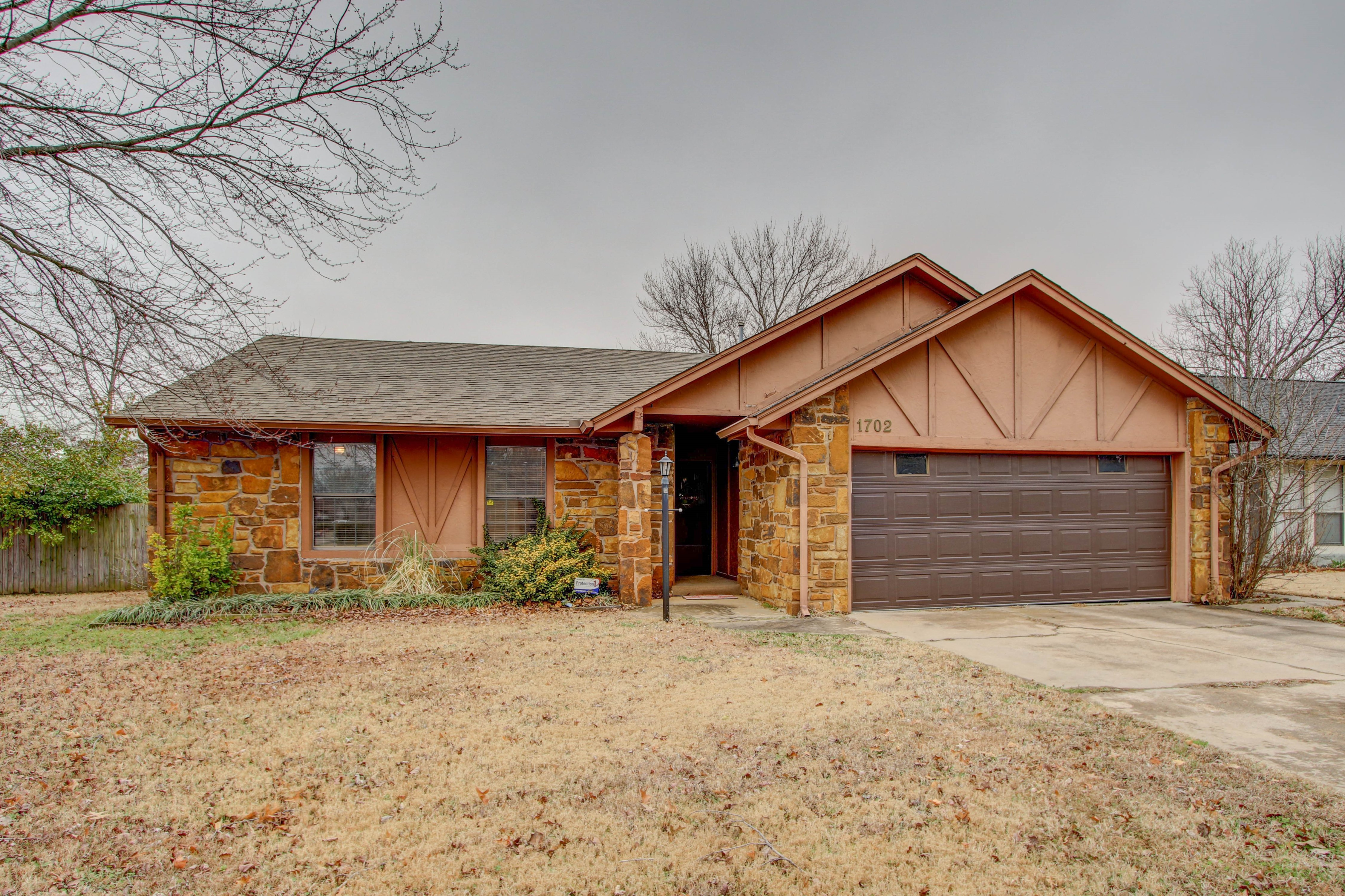1702 N Aster Place Property Photo