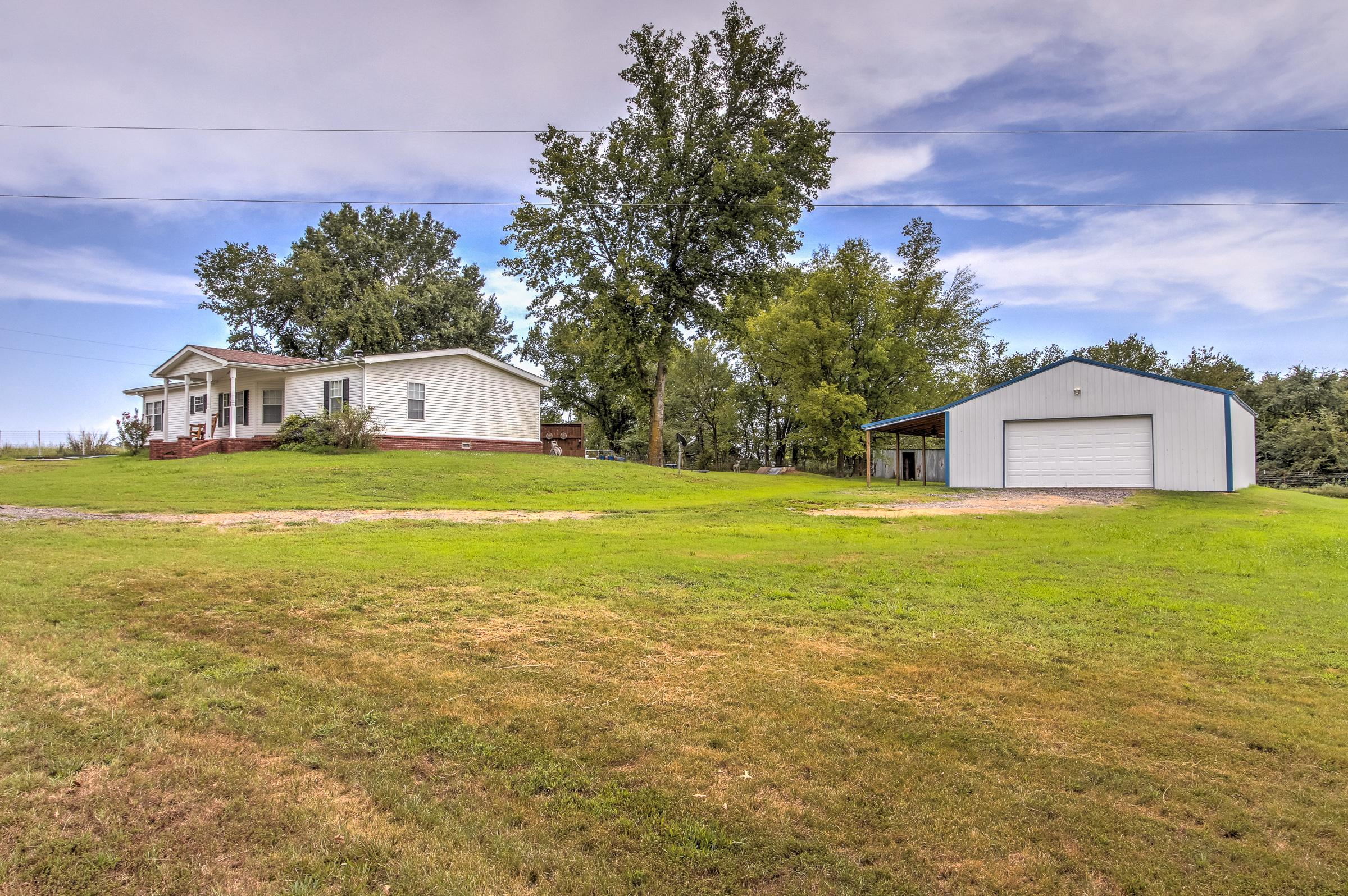 20552 E 650 Road Property Photo