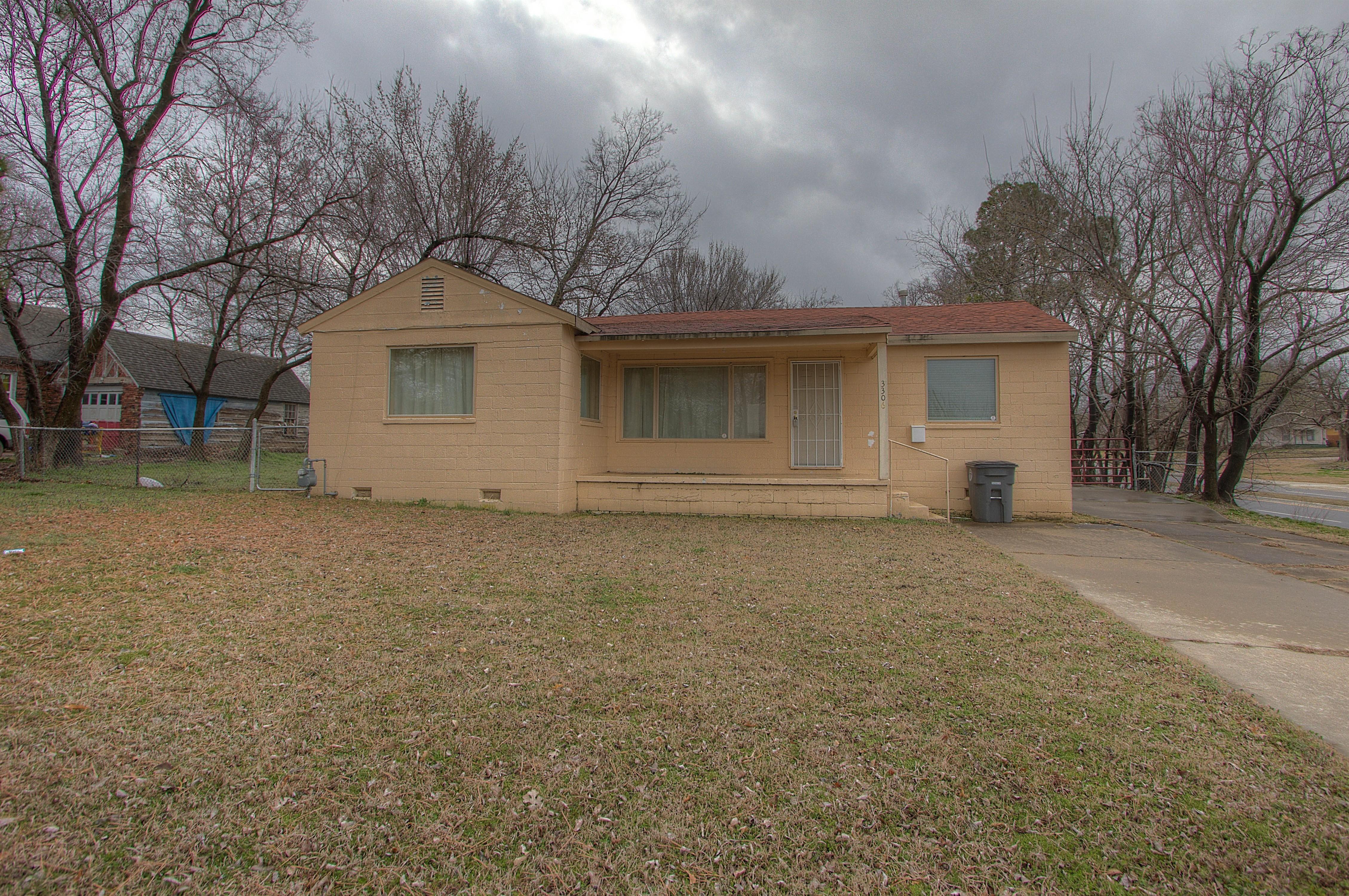 3306 E Easton Street Property Photo