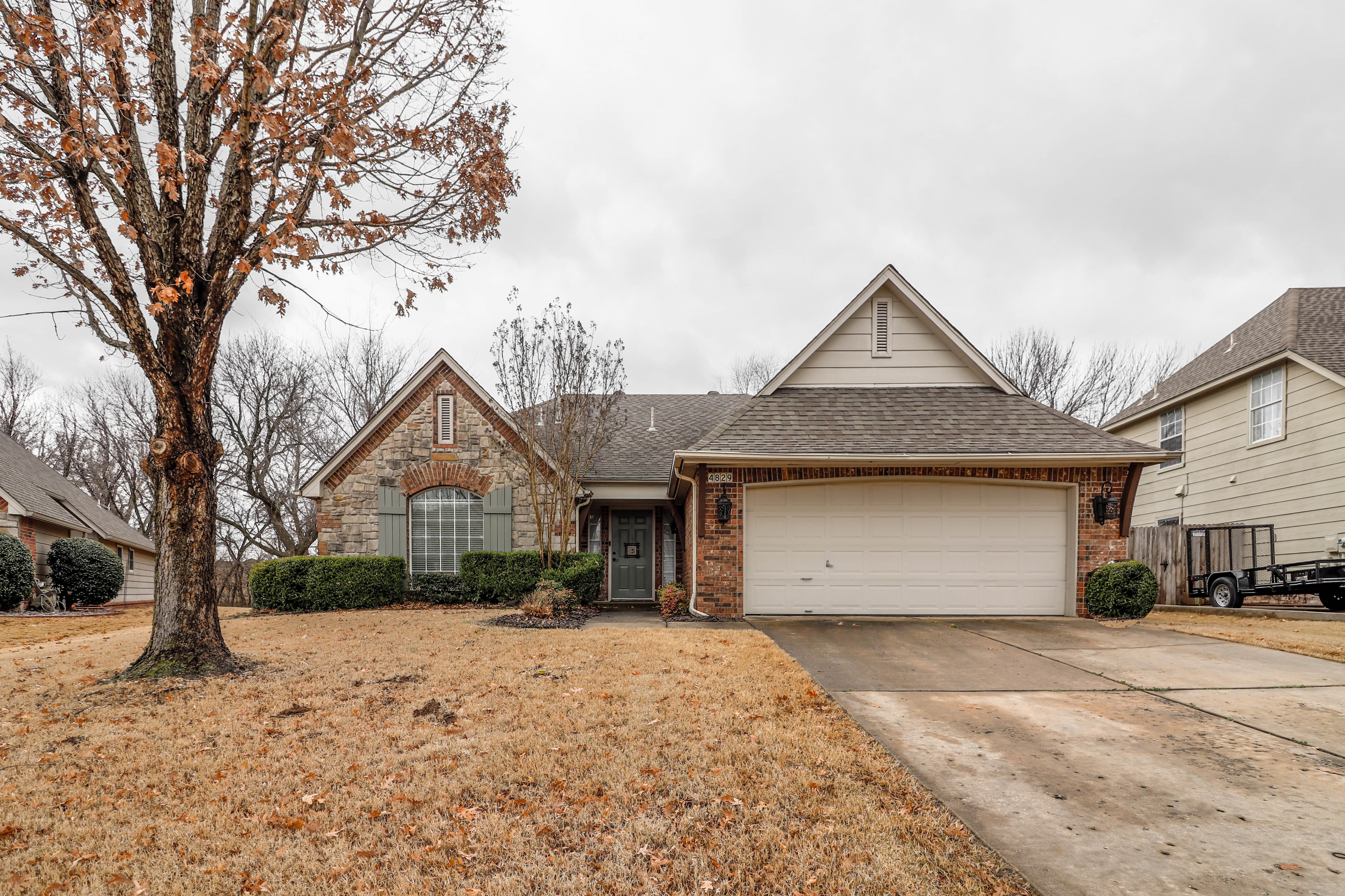4829 W Dallas Street Property Photo