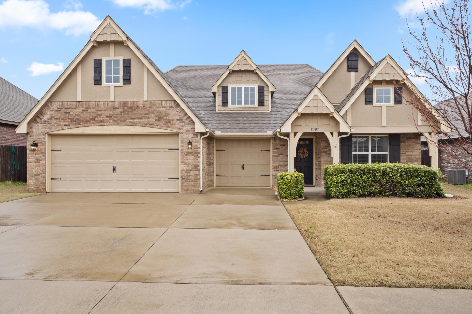 17509 E 43rd Place Property Photo