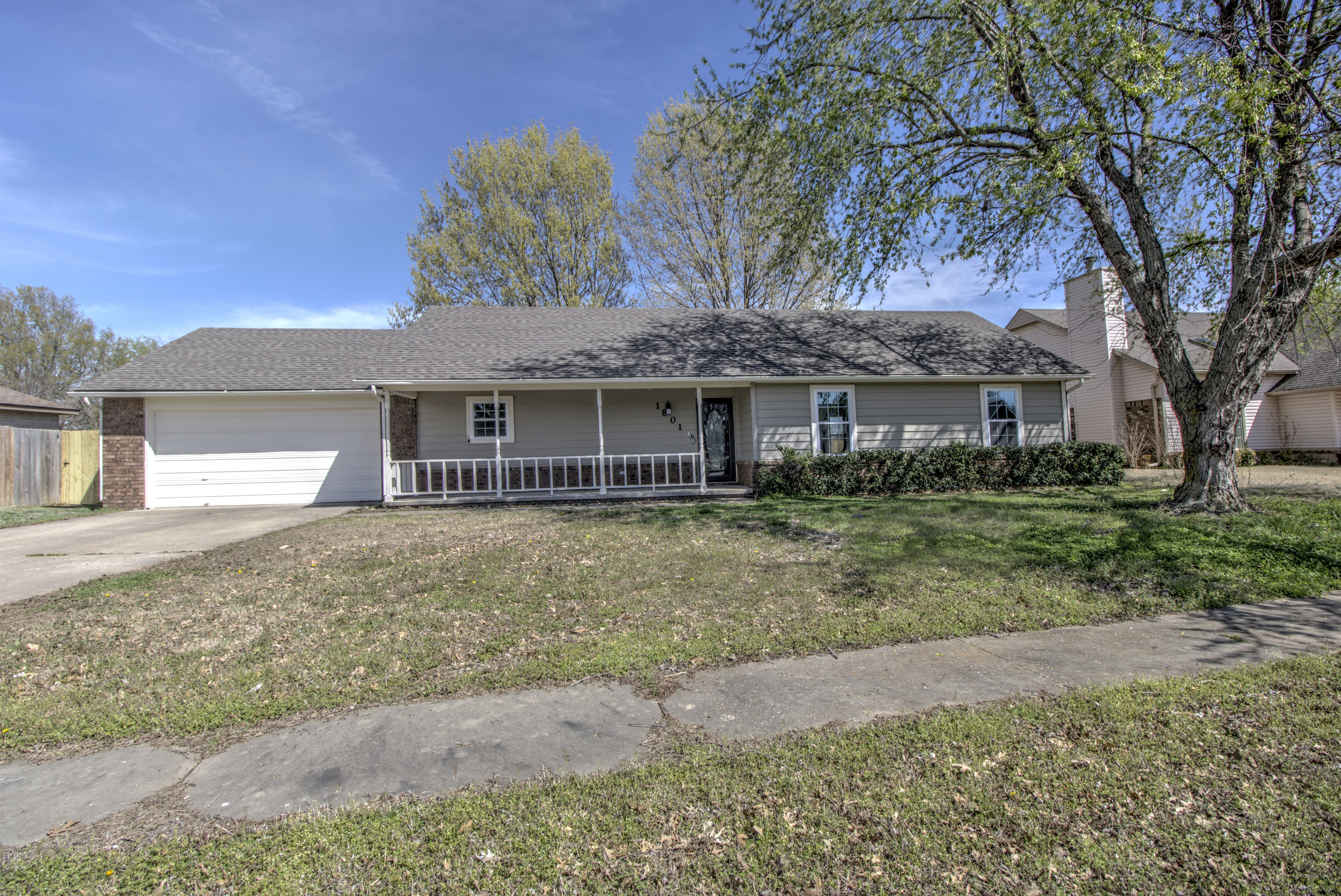 1801 S Oklahoma Street Property Photo