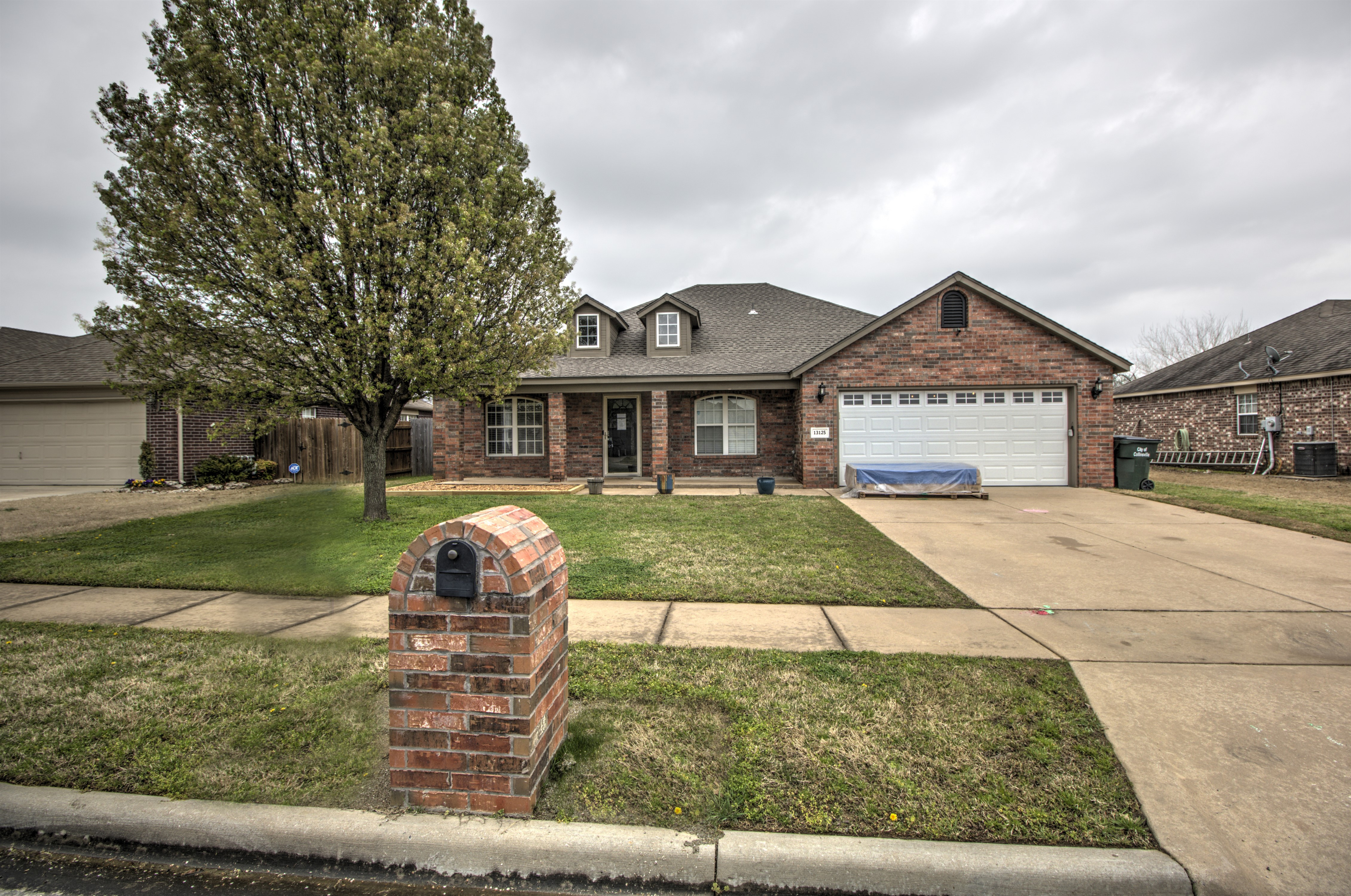 13125 N 132nd Avenue Property Photo 1