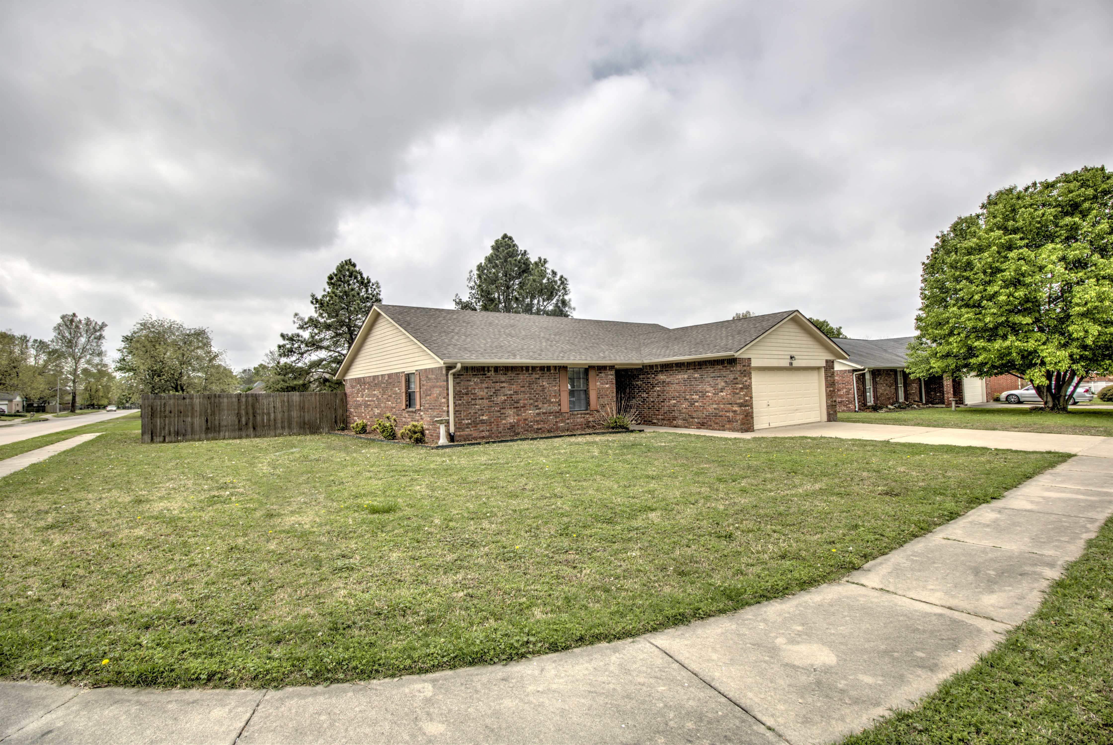 212 Magnolia Avenue Property Photo