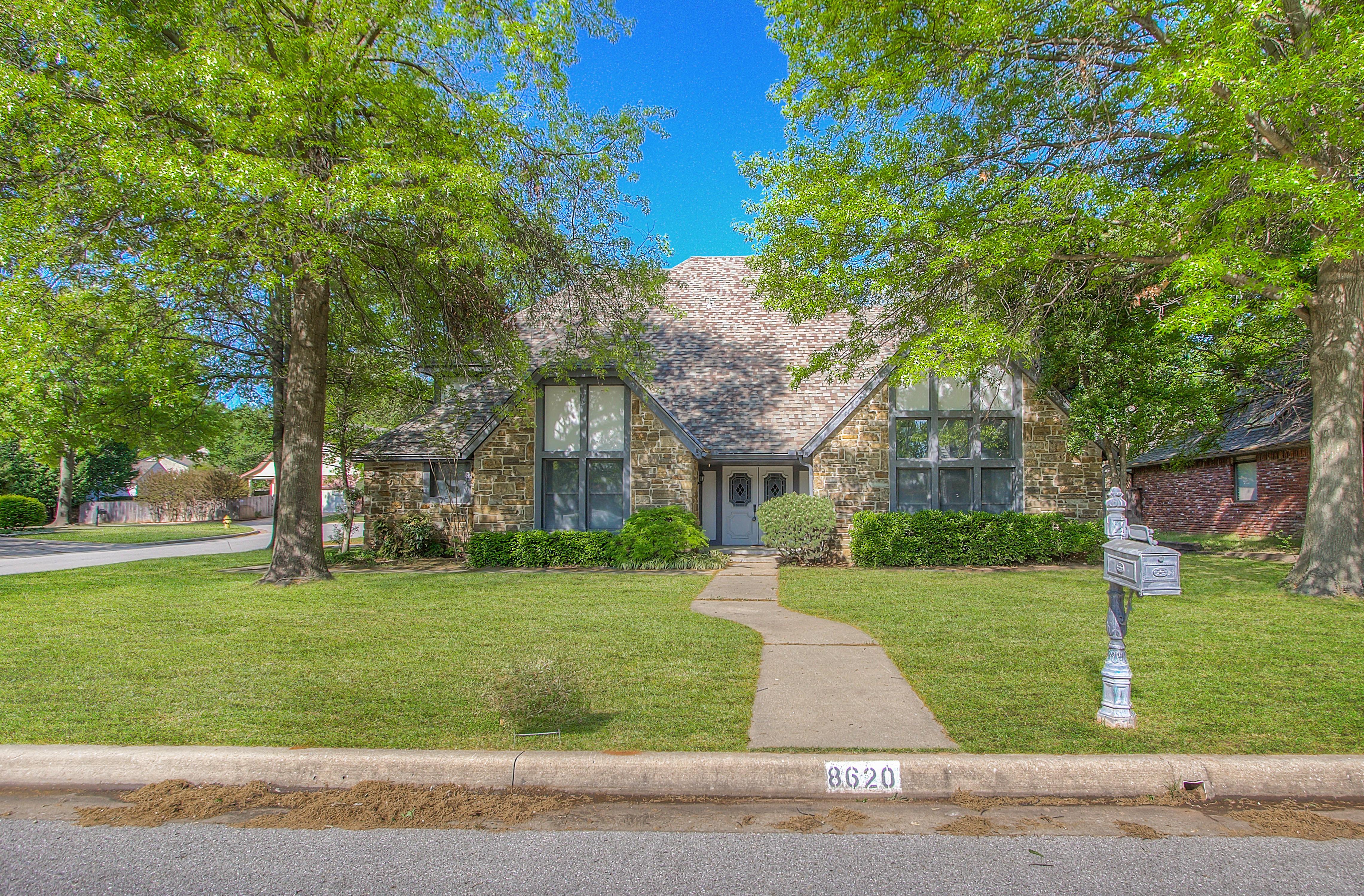 8620 S Louisville Avenue Property Photo