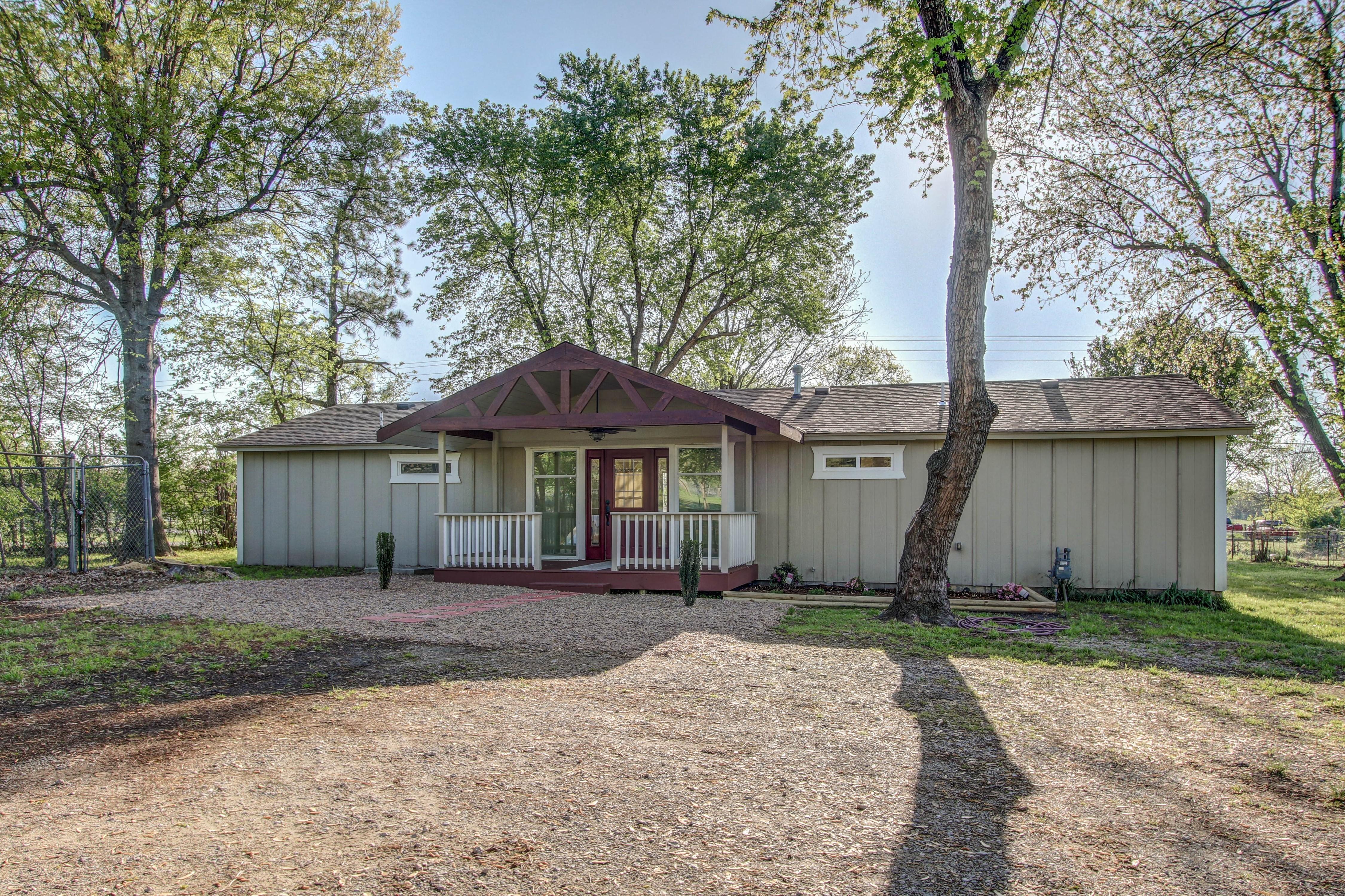 16136 Grisham Avenue Property Photo