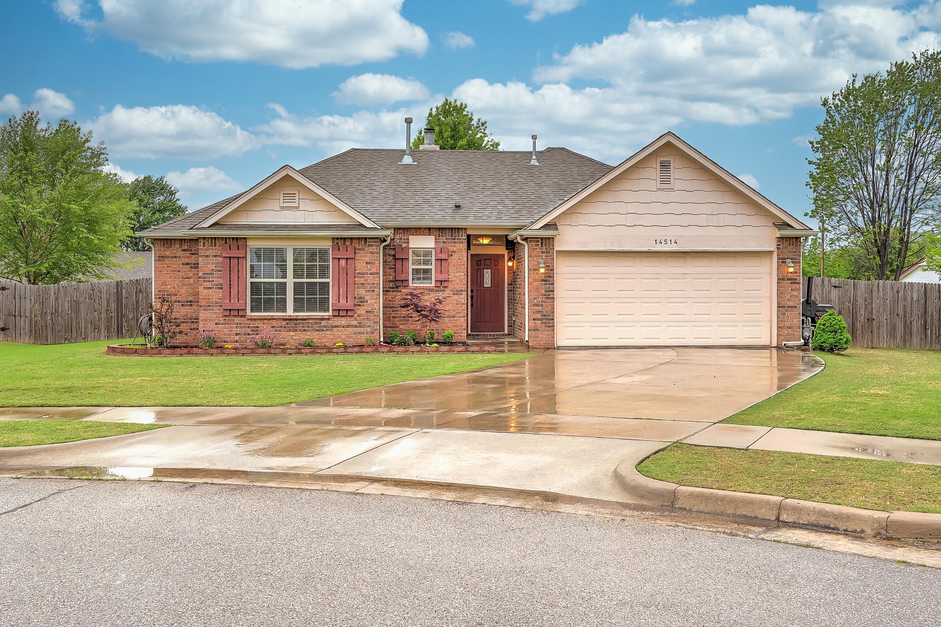 14514 S Oak Street Property Photo