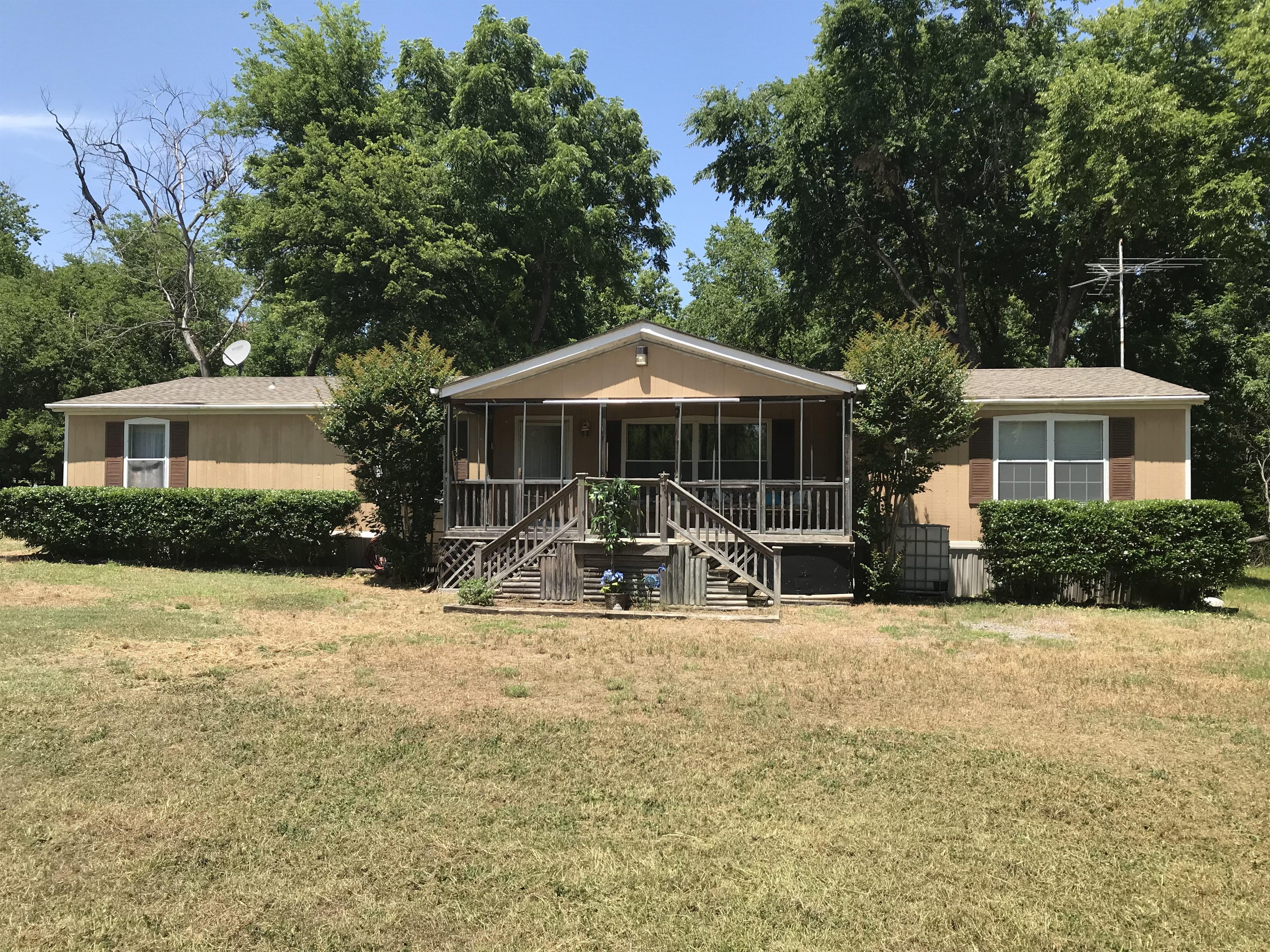 18654 W 880 Road Property Photo