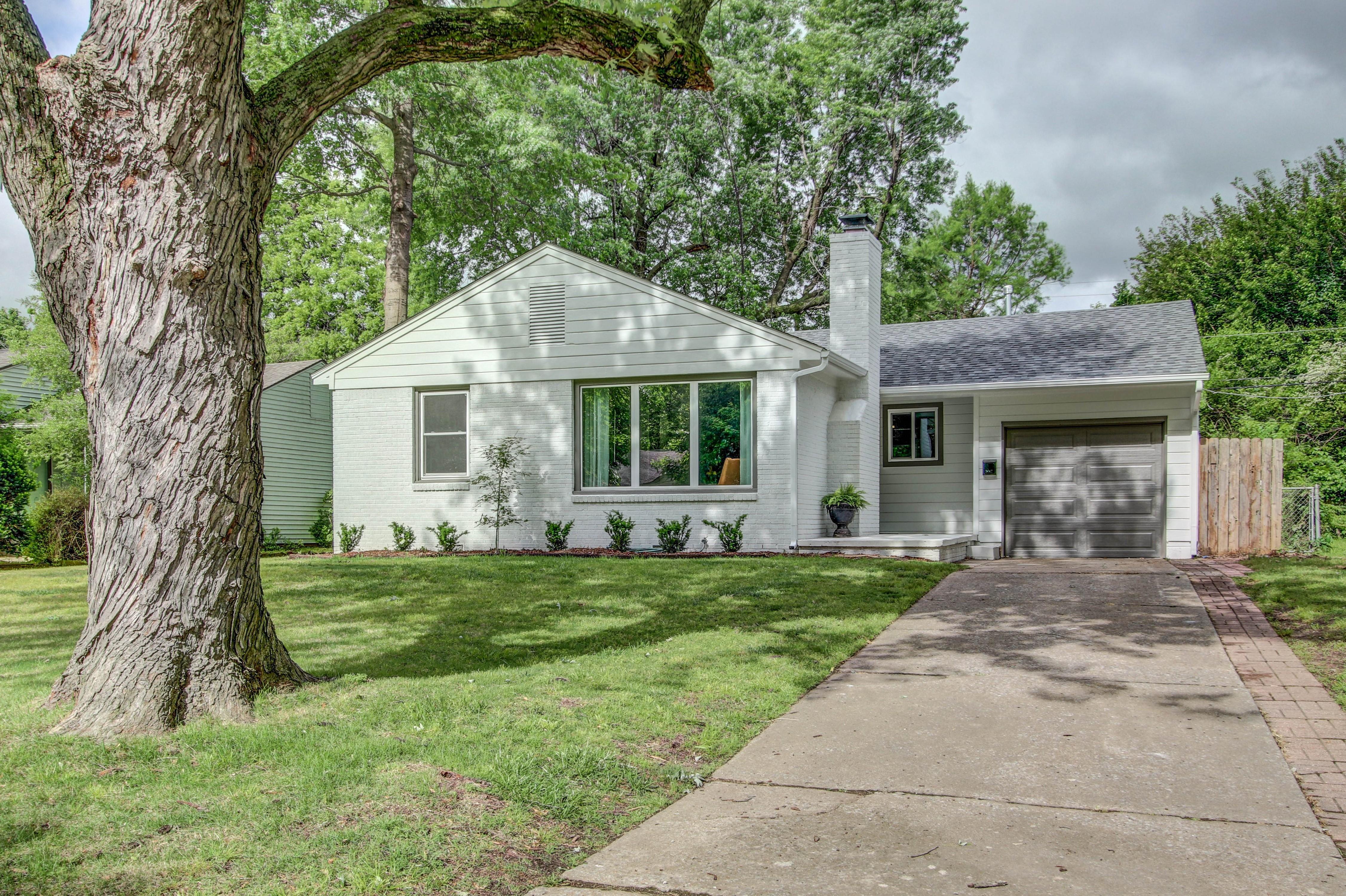 4918 S Madison Avenue Property Photo