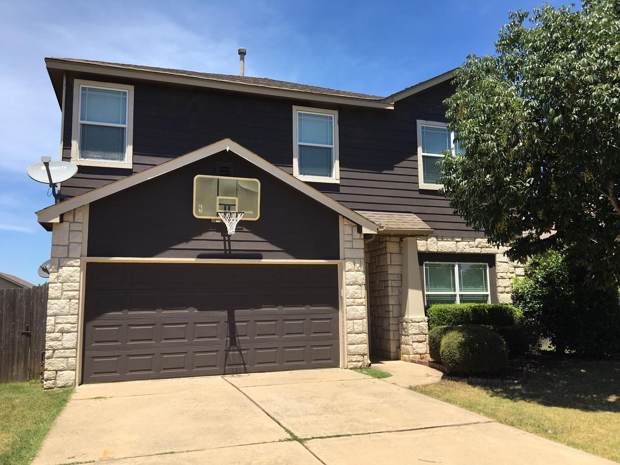 2304 E Fargo Street Property Photo 1