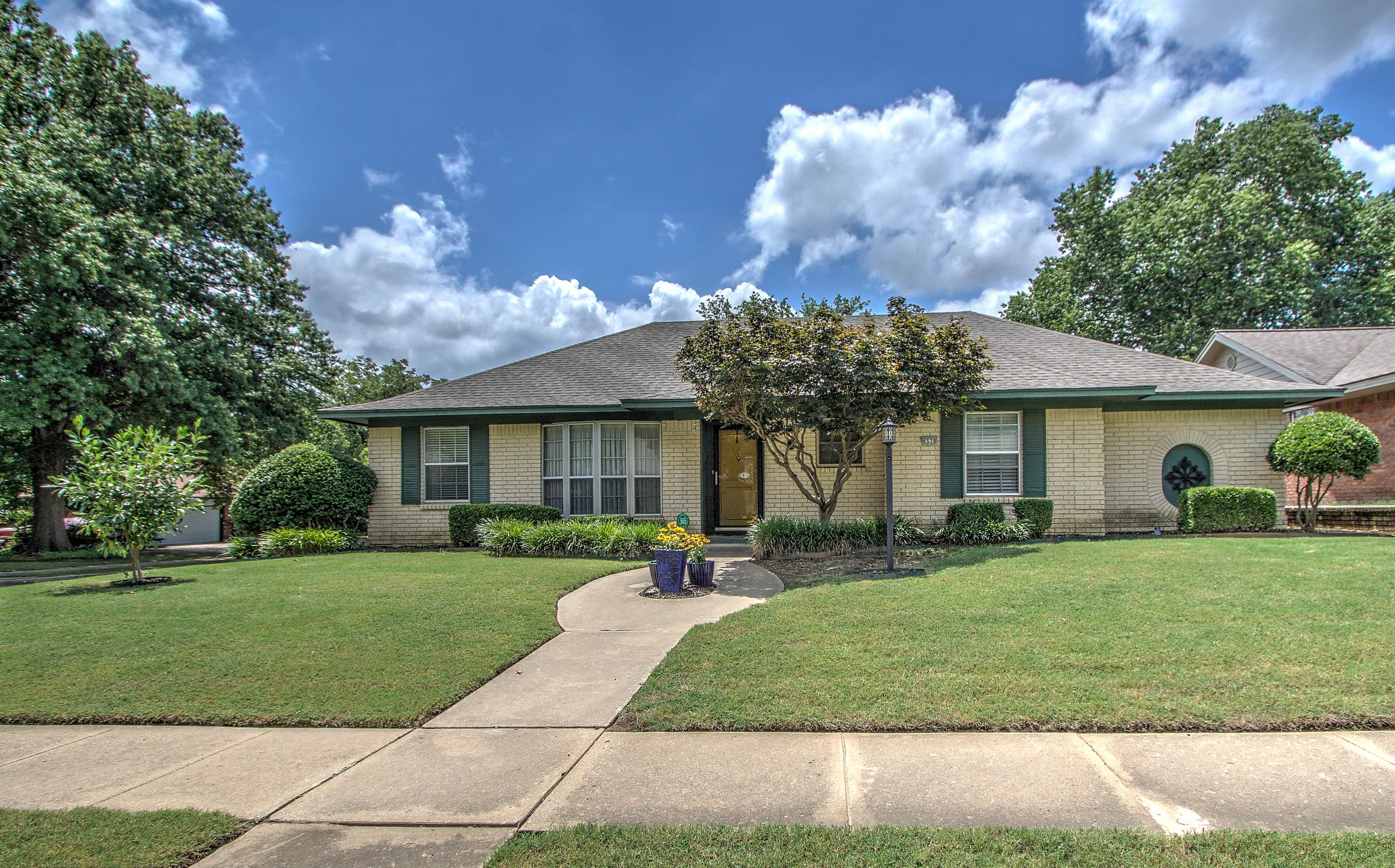 6538 E 74th Street Property Photo 1