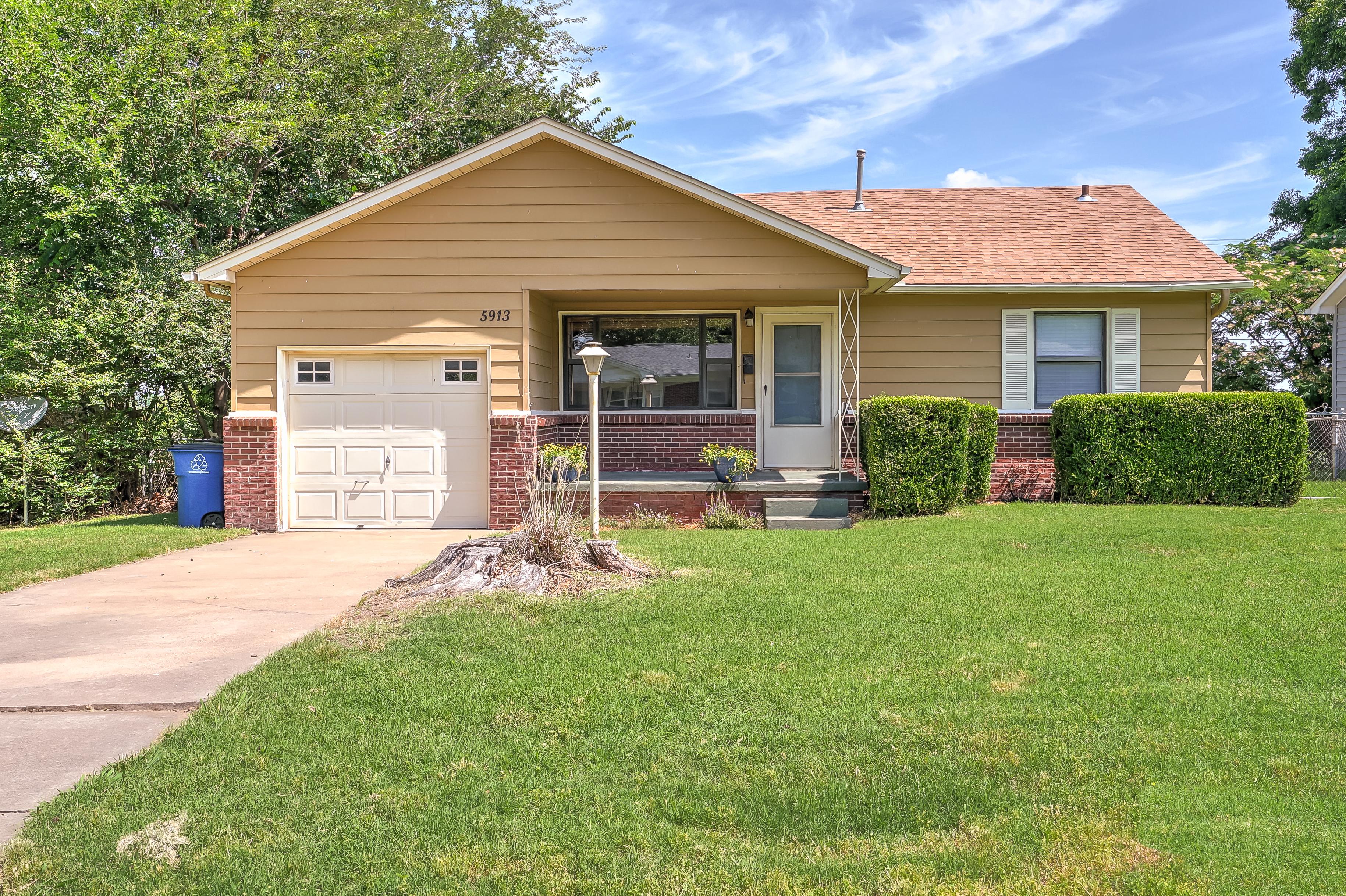 5913 E 18th Street Property Photo
