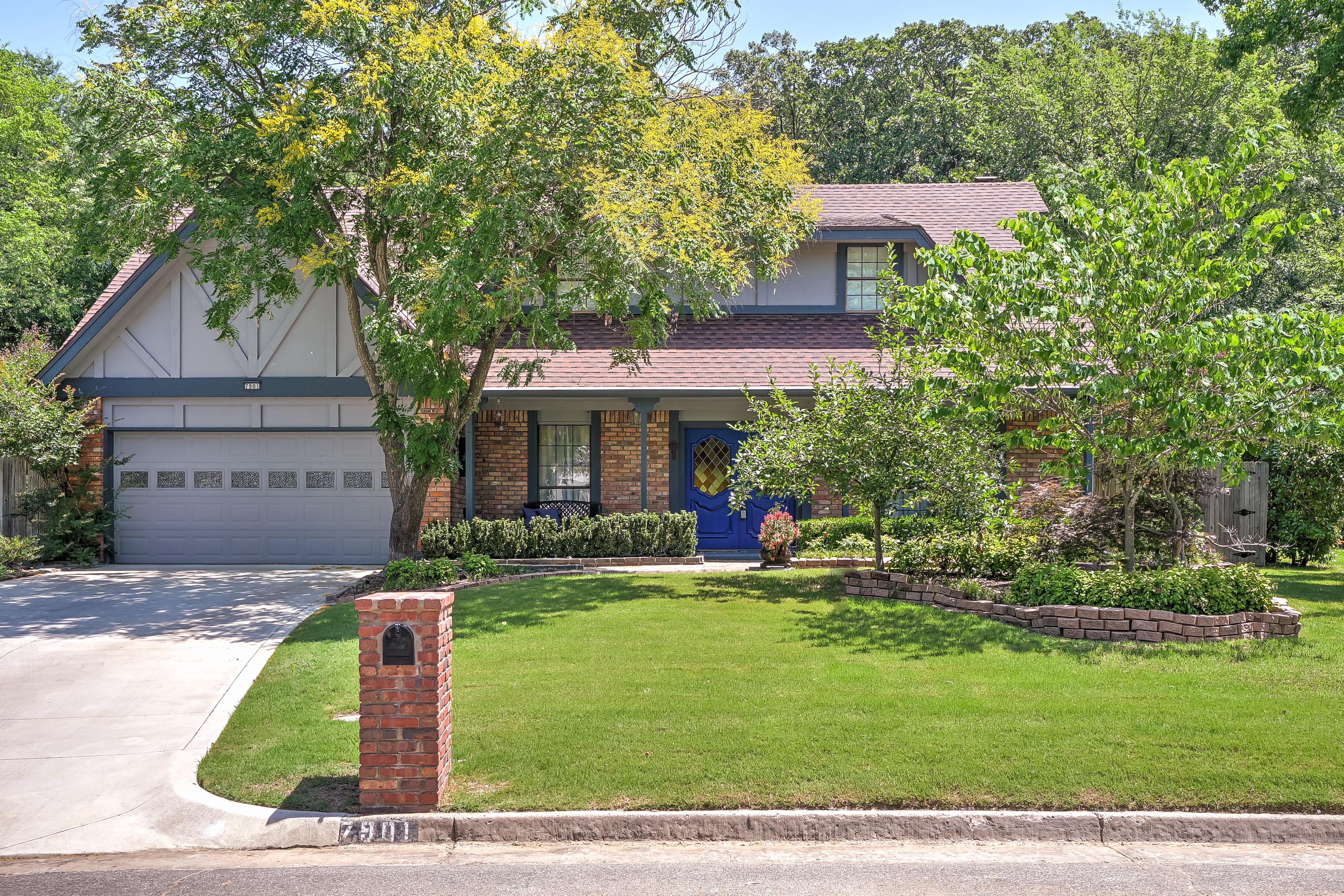 7901 S Richmond Avenue Property Photo 1