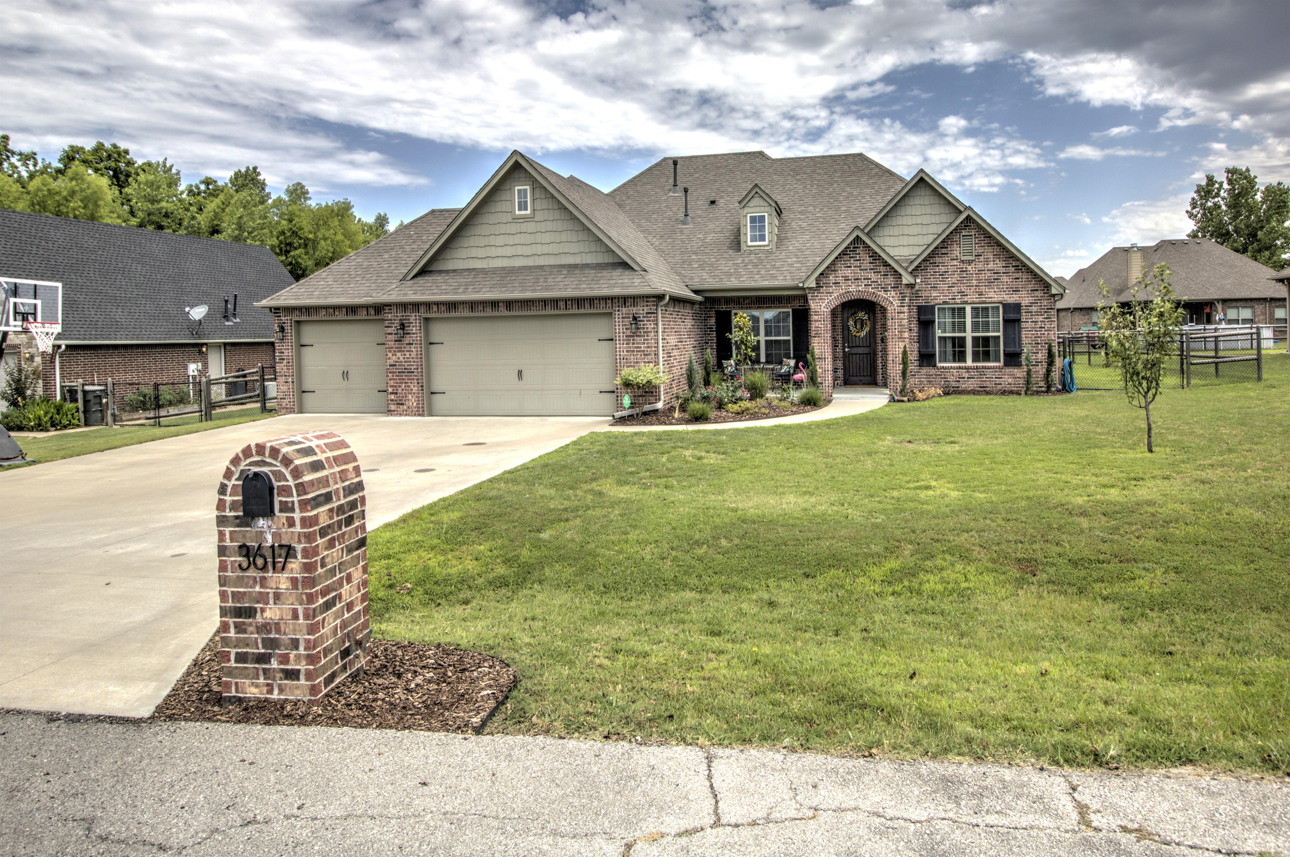 3617 W Forest Street Property Photo 1