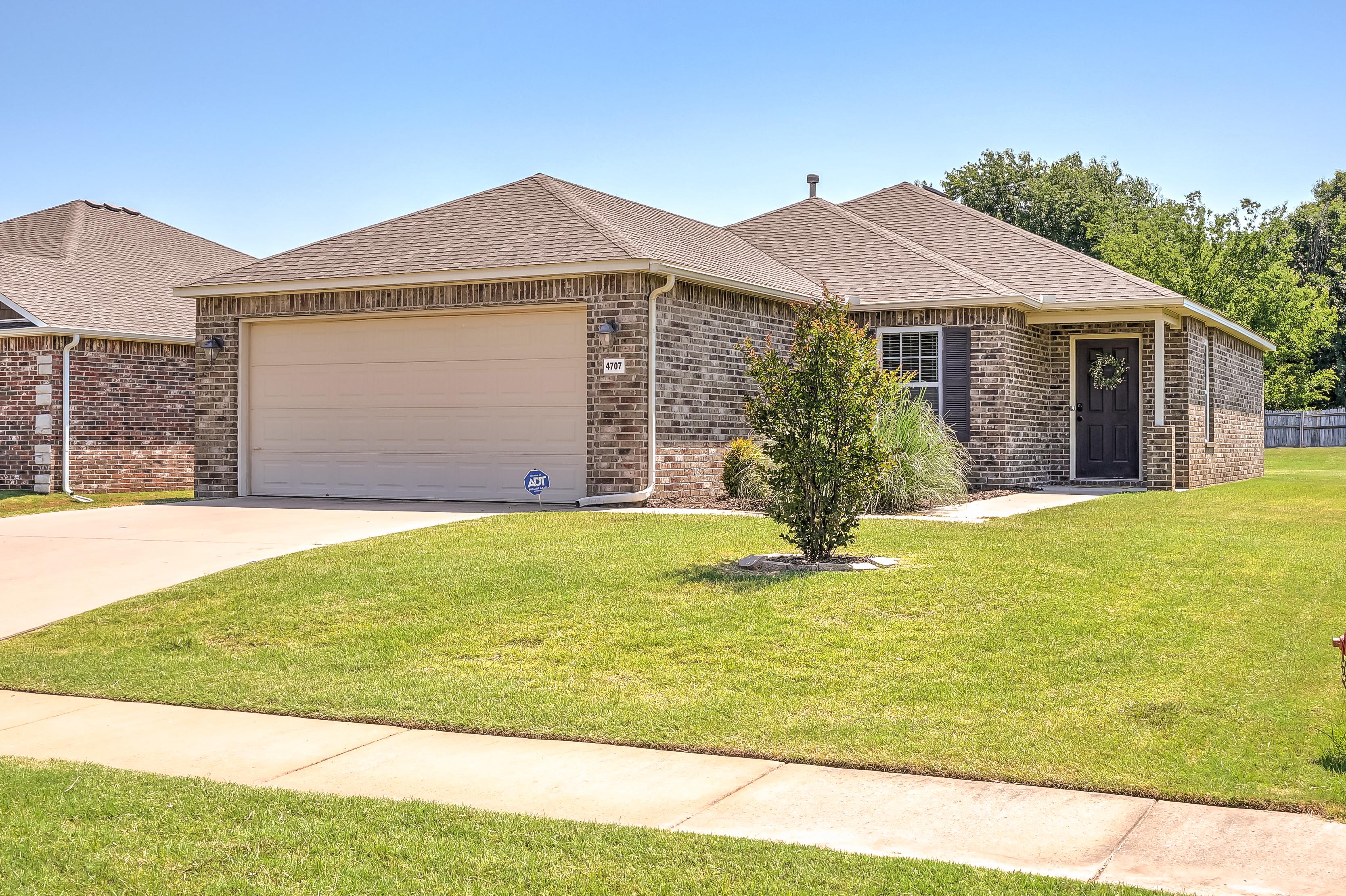 4707 S Ash Drive Property Photo 1