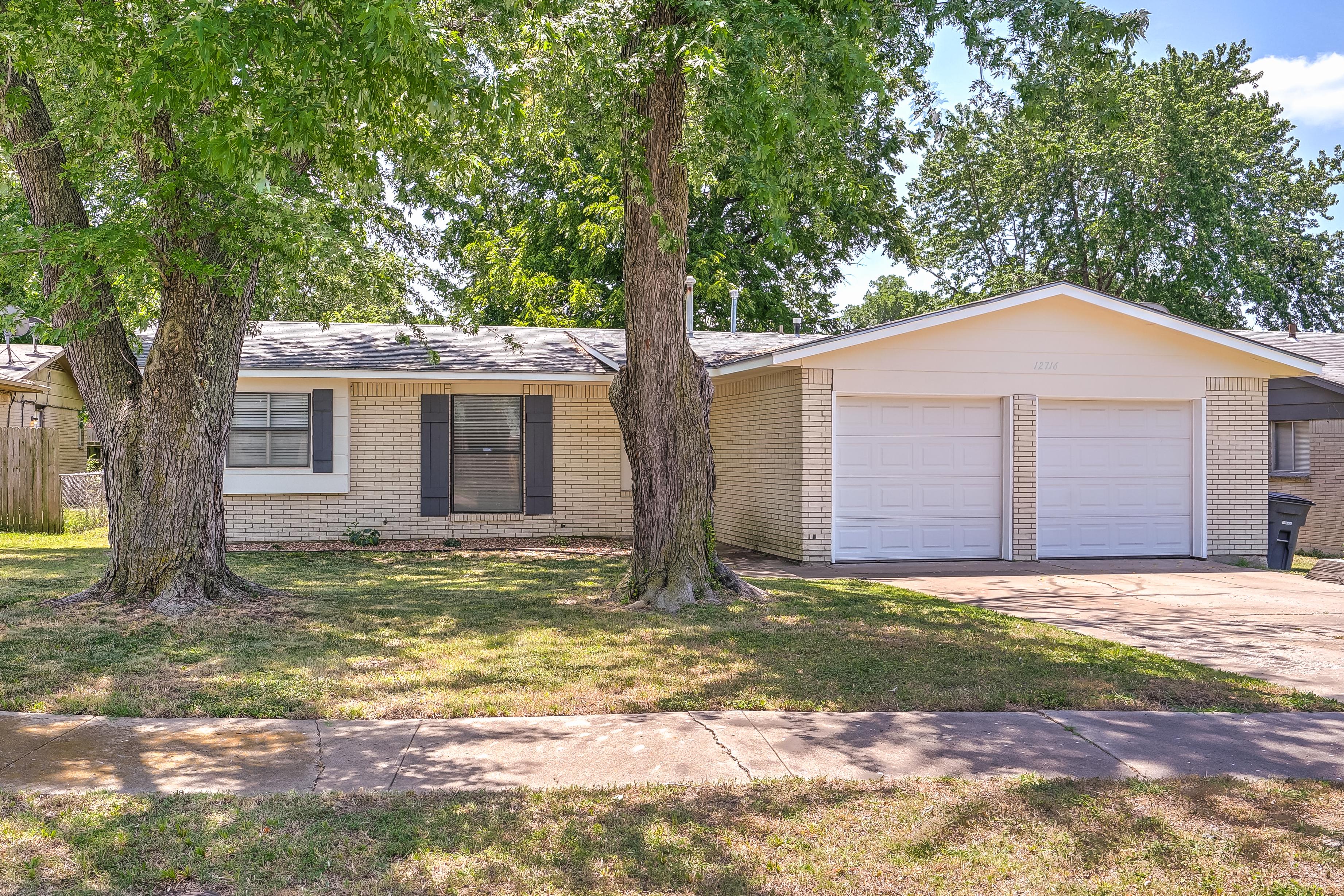 12716 E 17th Street Property Photo
