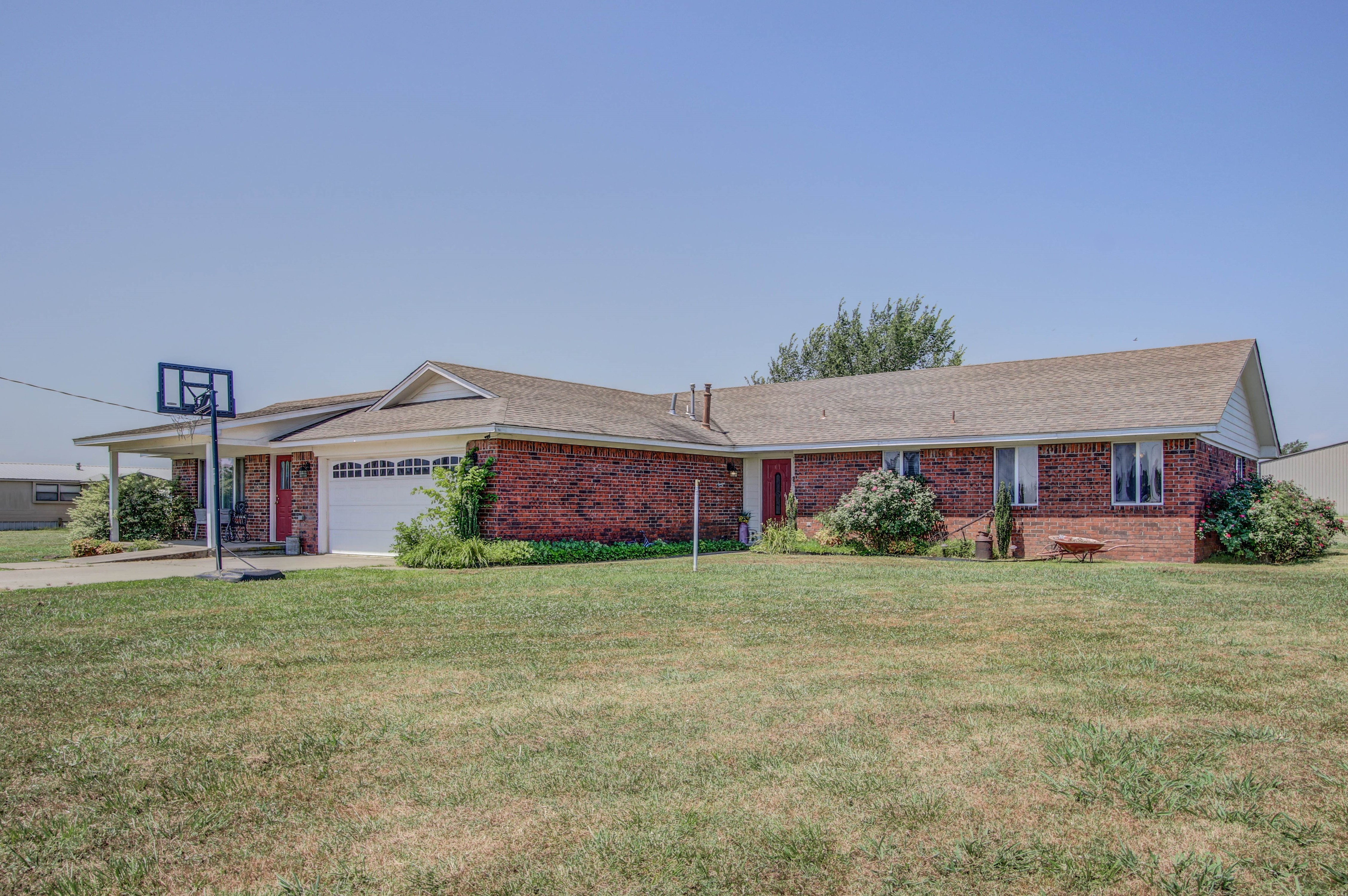 801 S Chickasaw Avenue Property Photo