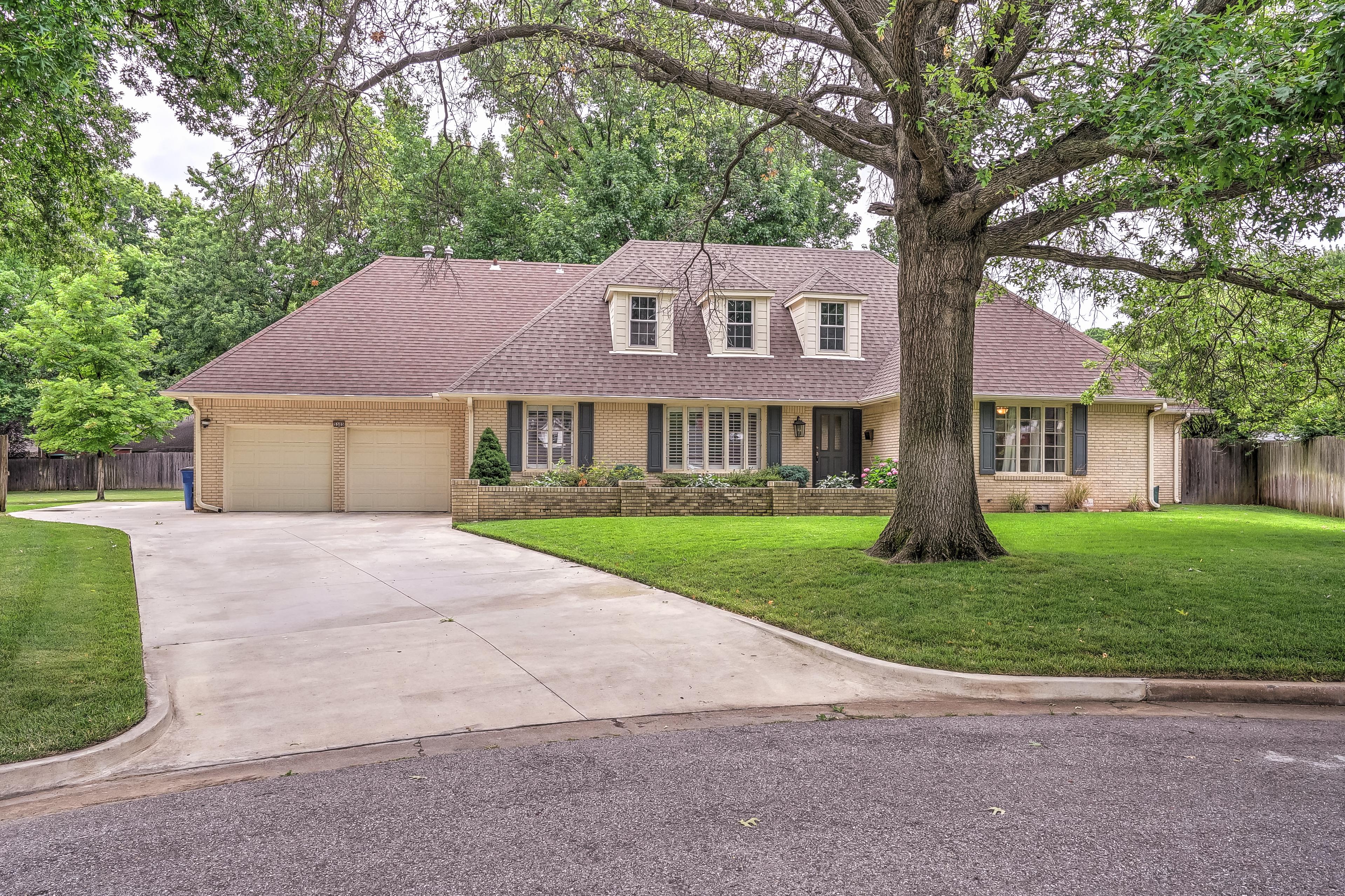 5505 S Irvington Avenue Property Photo 1