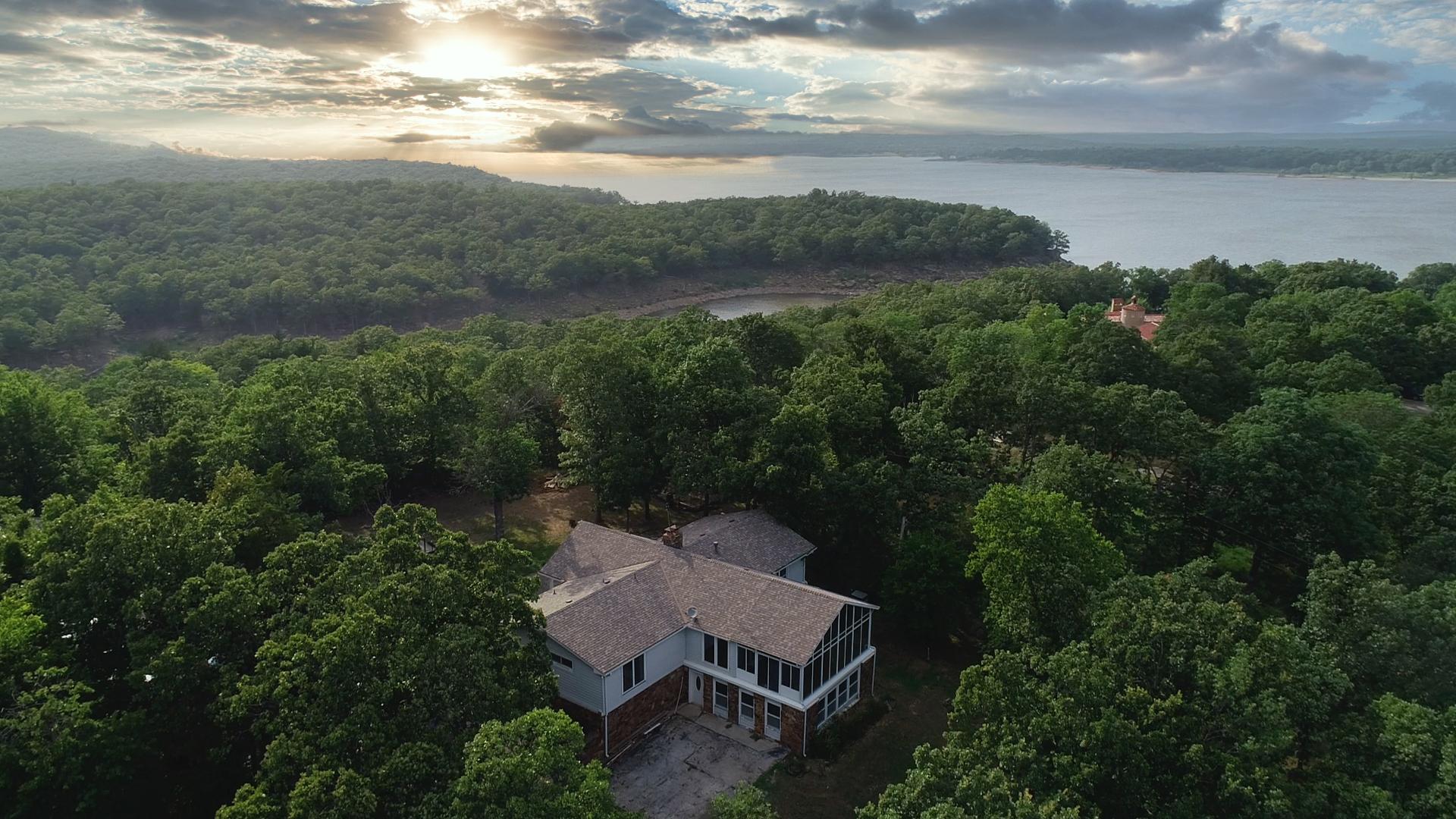 925 N Eagle Bluff Property Photo