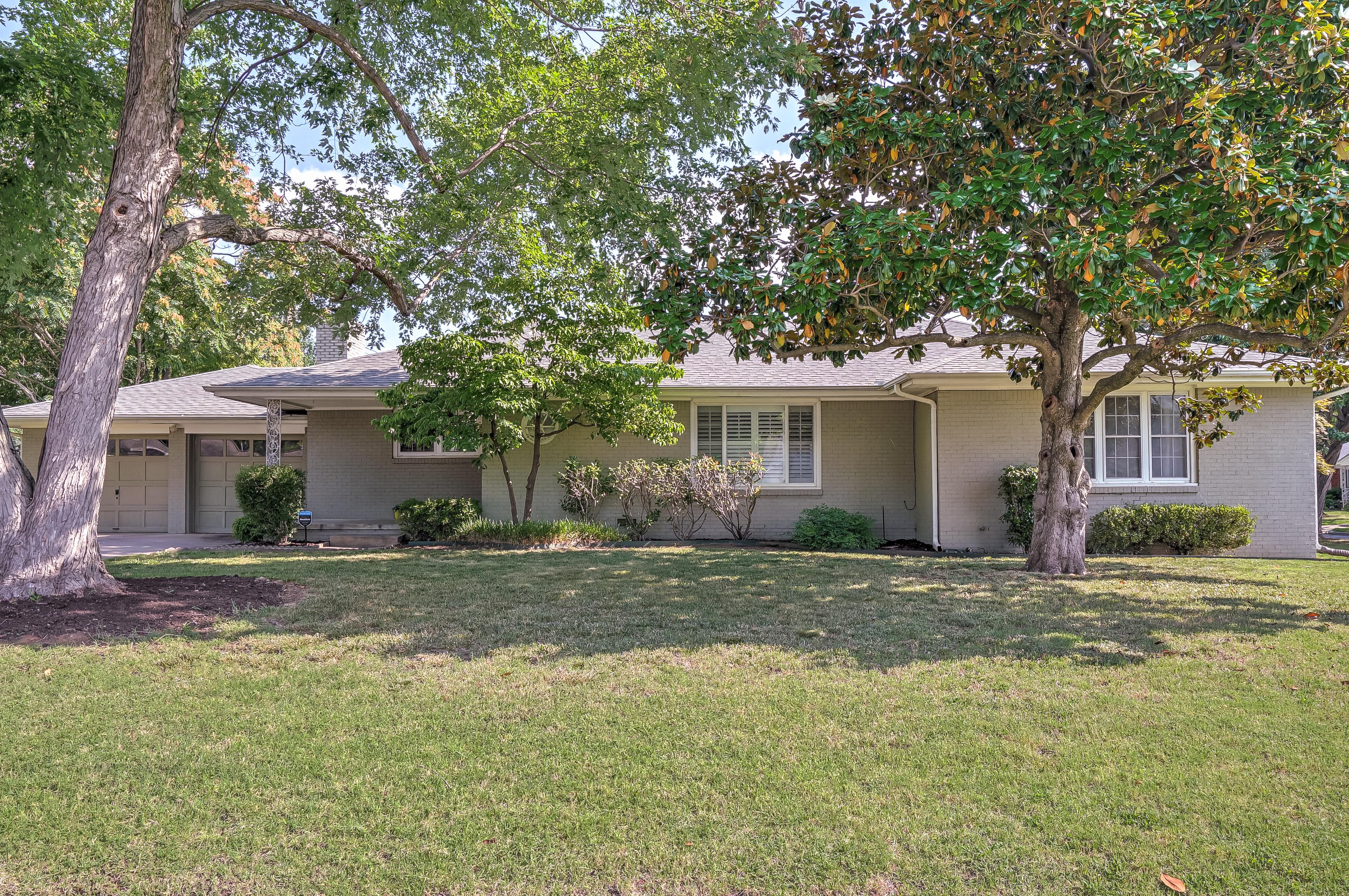 4515 E 27th Street Property Photo
