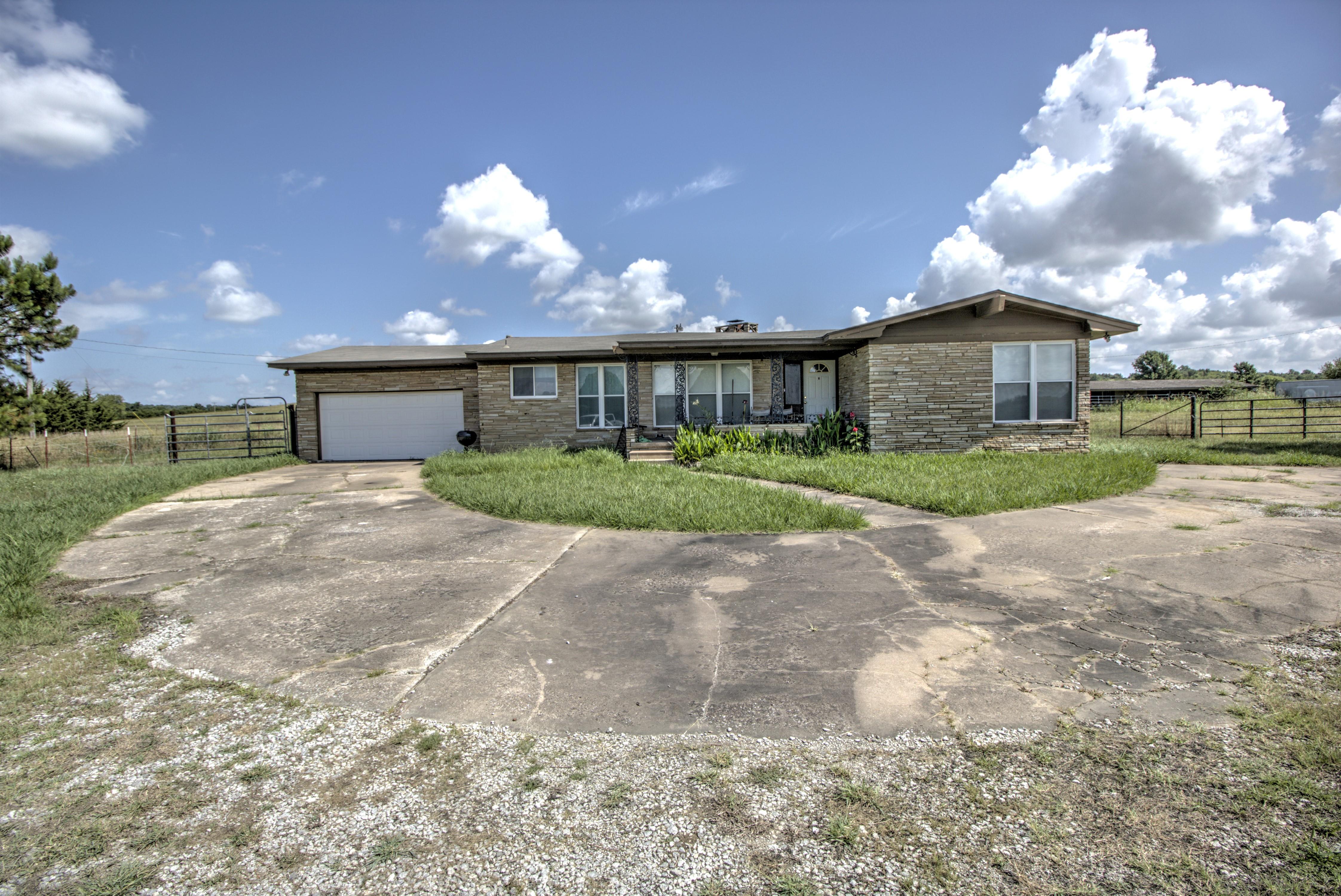 395150 W 4100 Road Property Photo