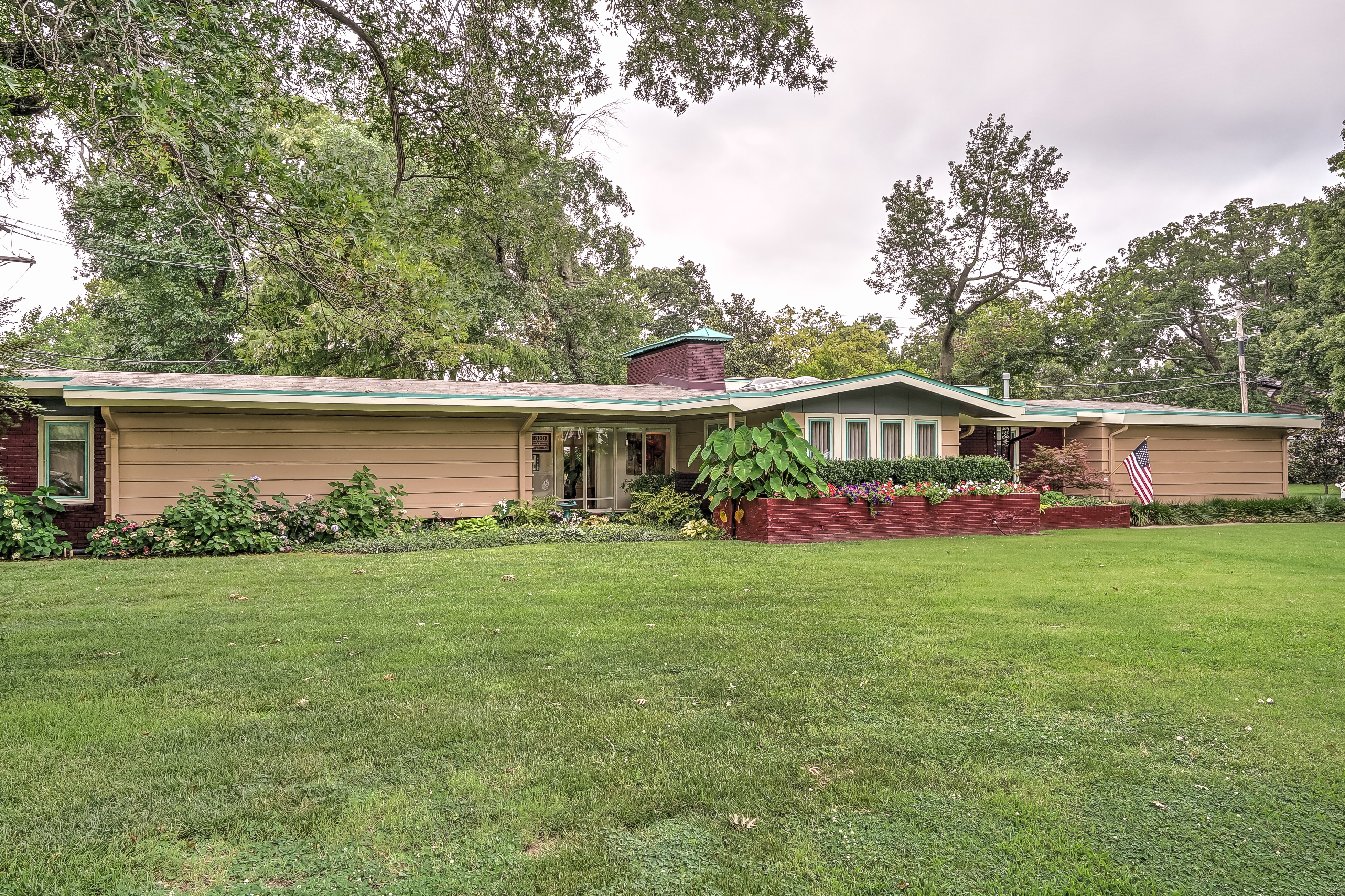 5636 S Marion Avenue Property Photo 1