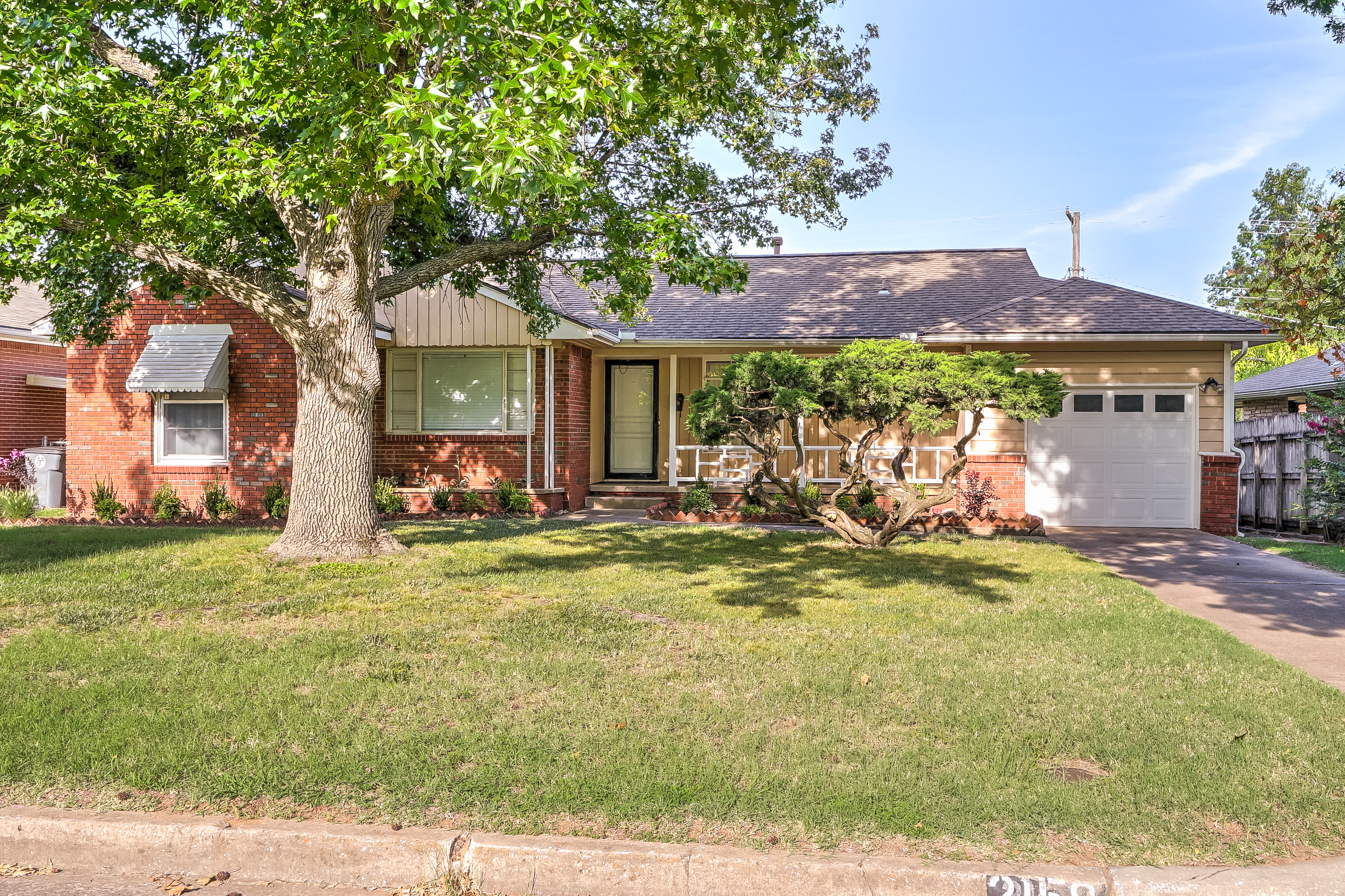 2158 S Sandusky Avenue Property Photo 1