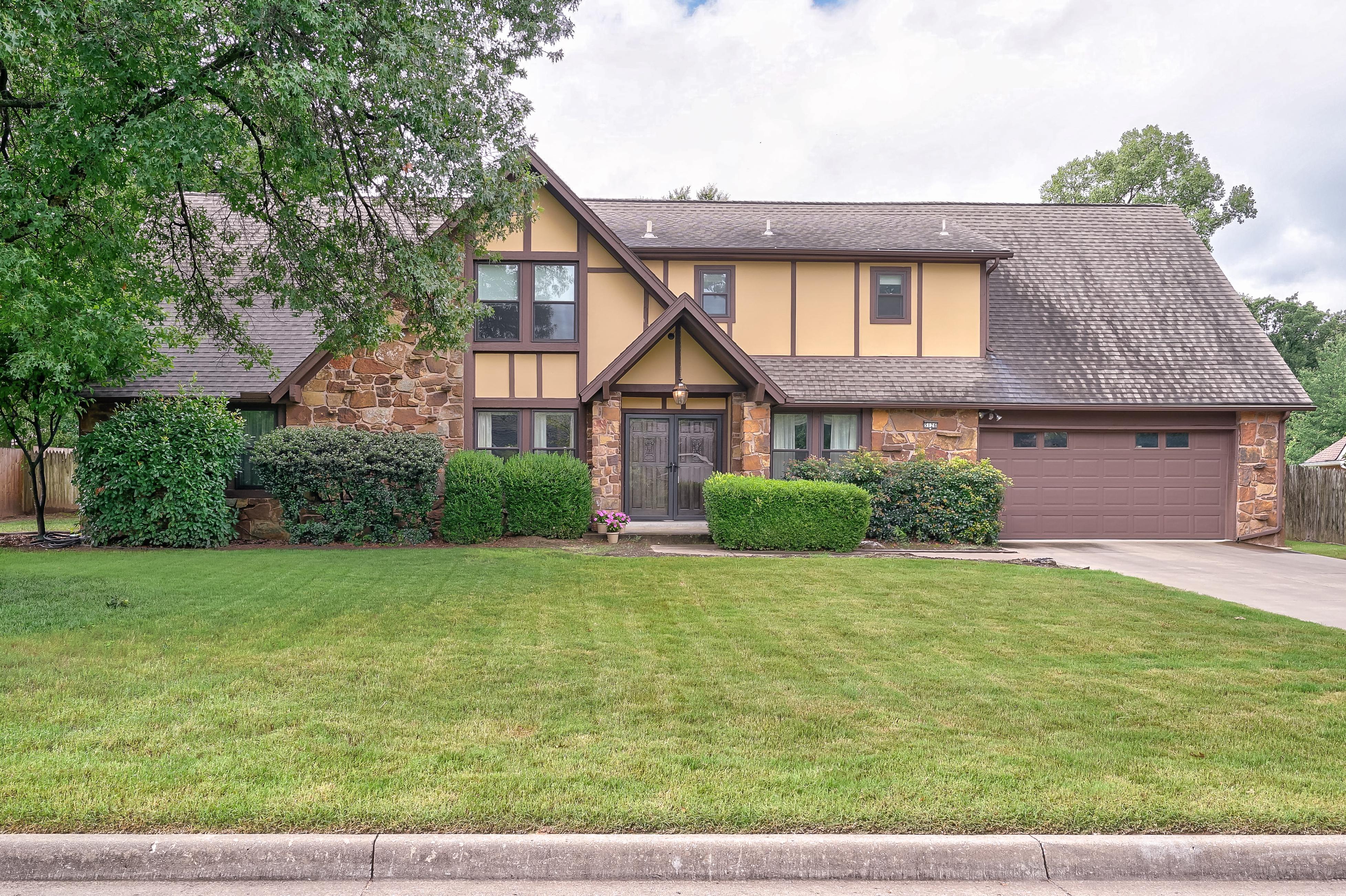 5126 E 98th Street Property Photo