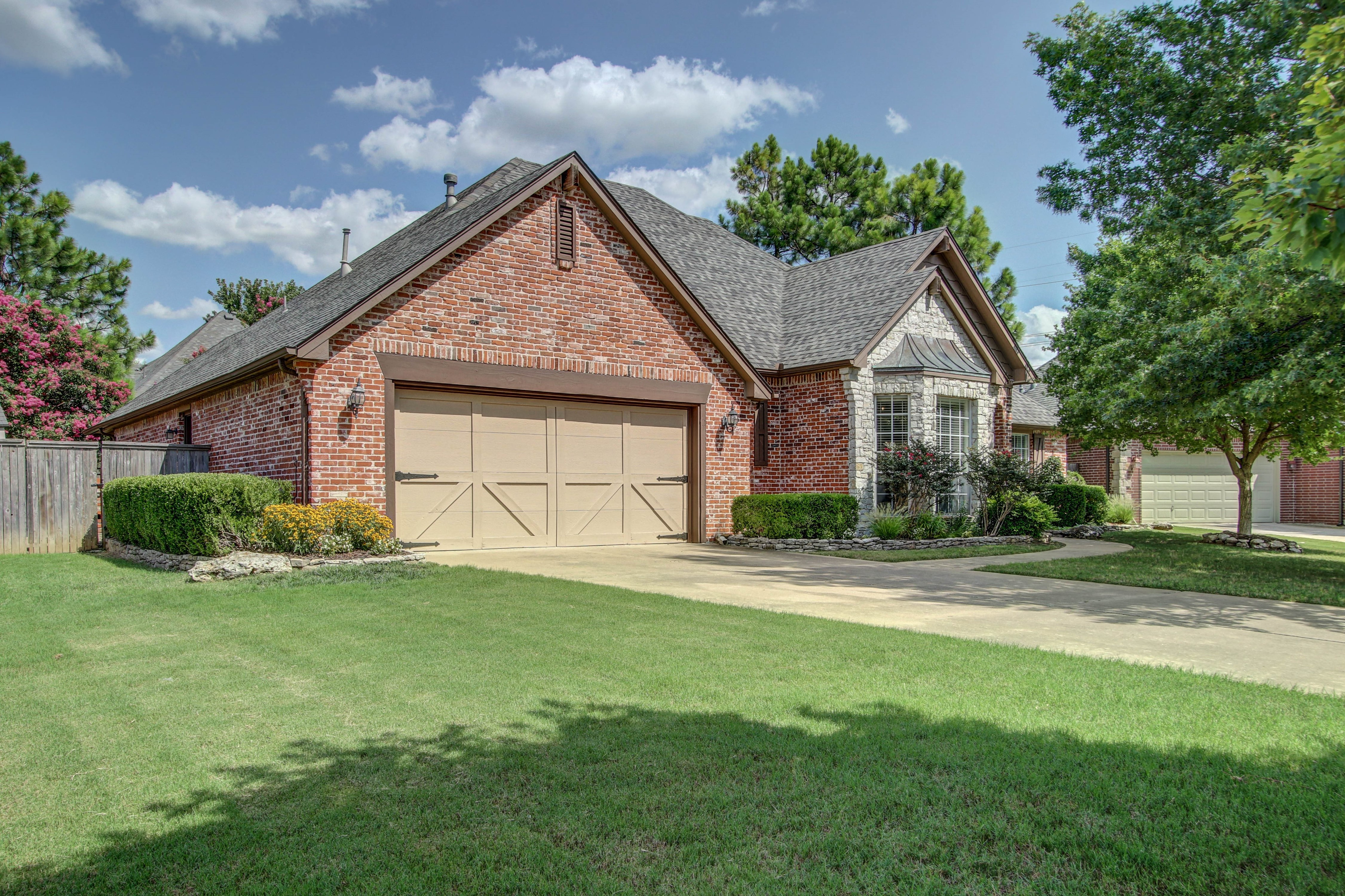 11521 S Mulberry Court Property Photo