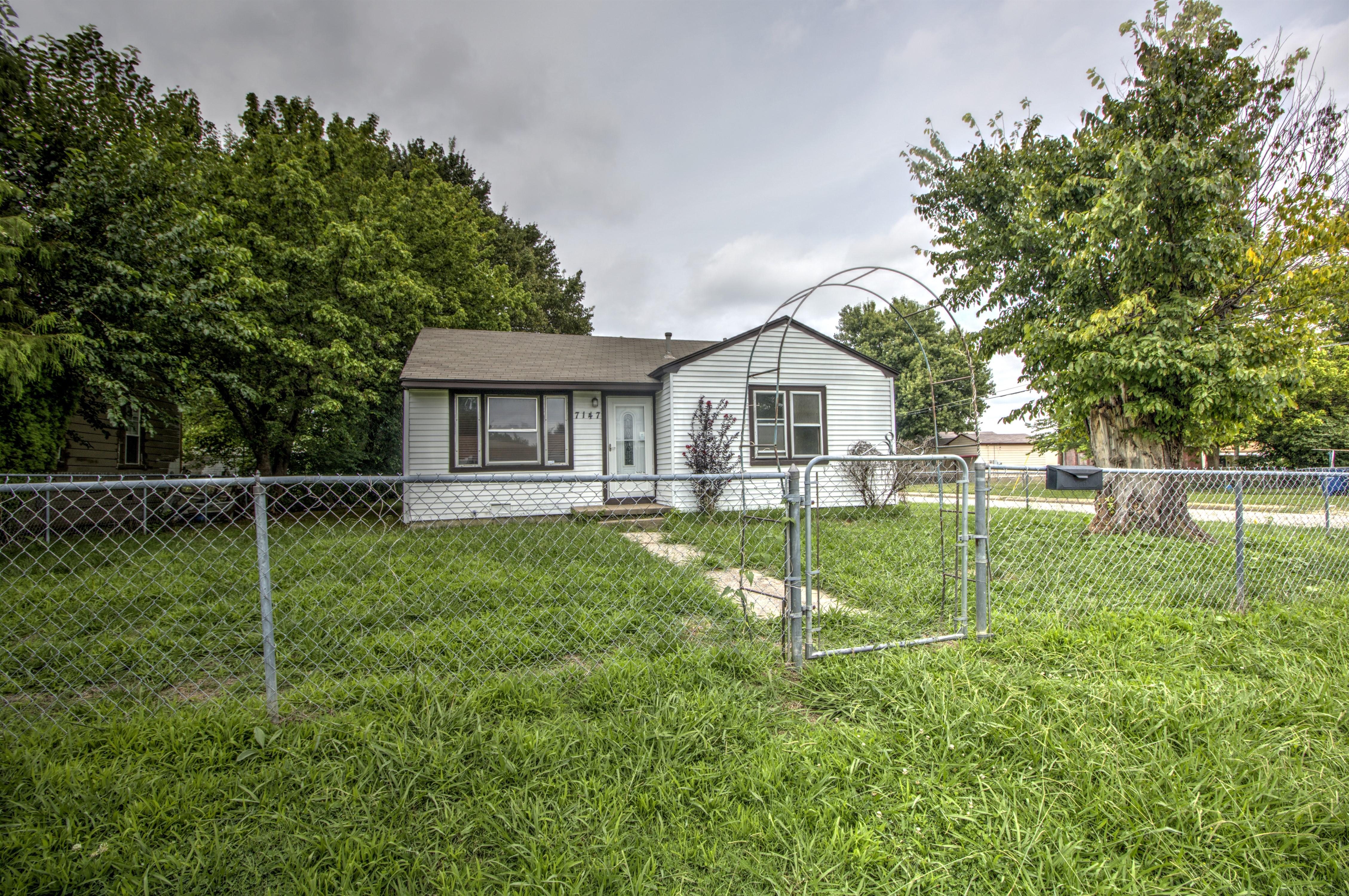 7147 E Marshall Street Property Photo