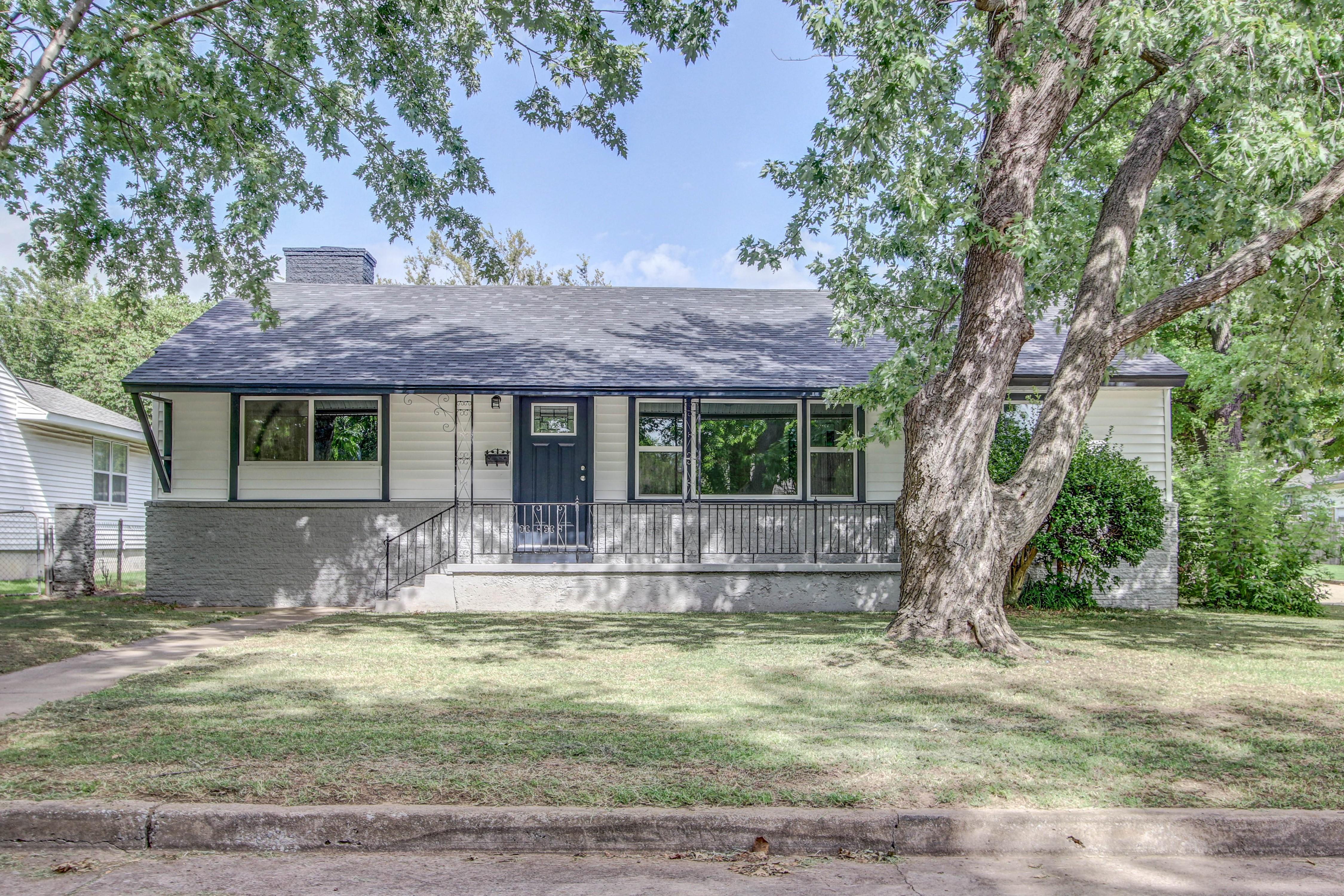 3345 S Louisville Avenue Property Photo