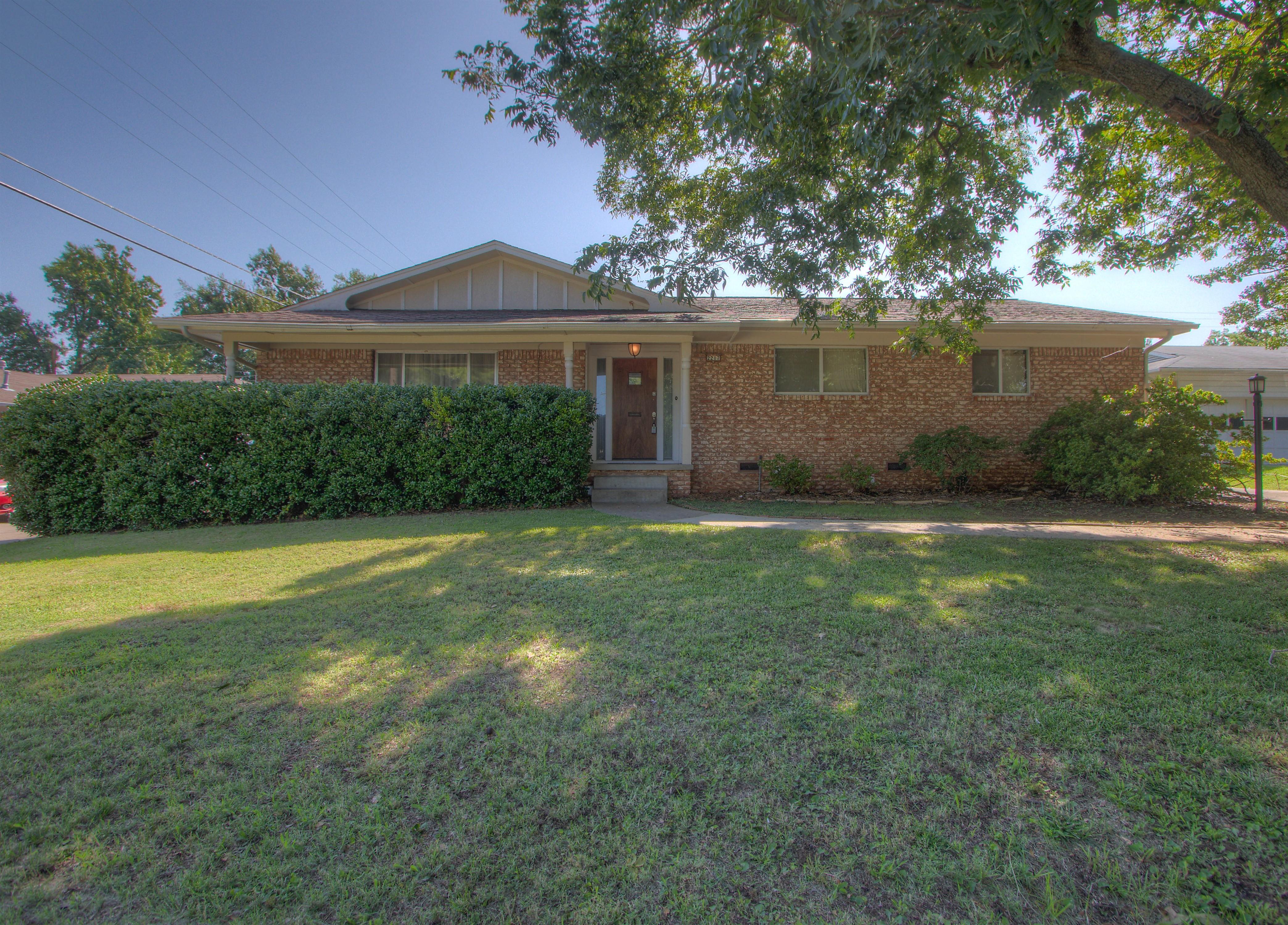 2217 S Darlington Avenue Property Photo