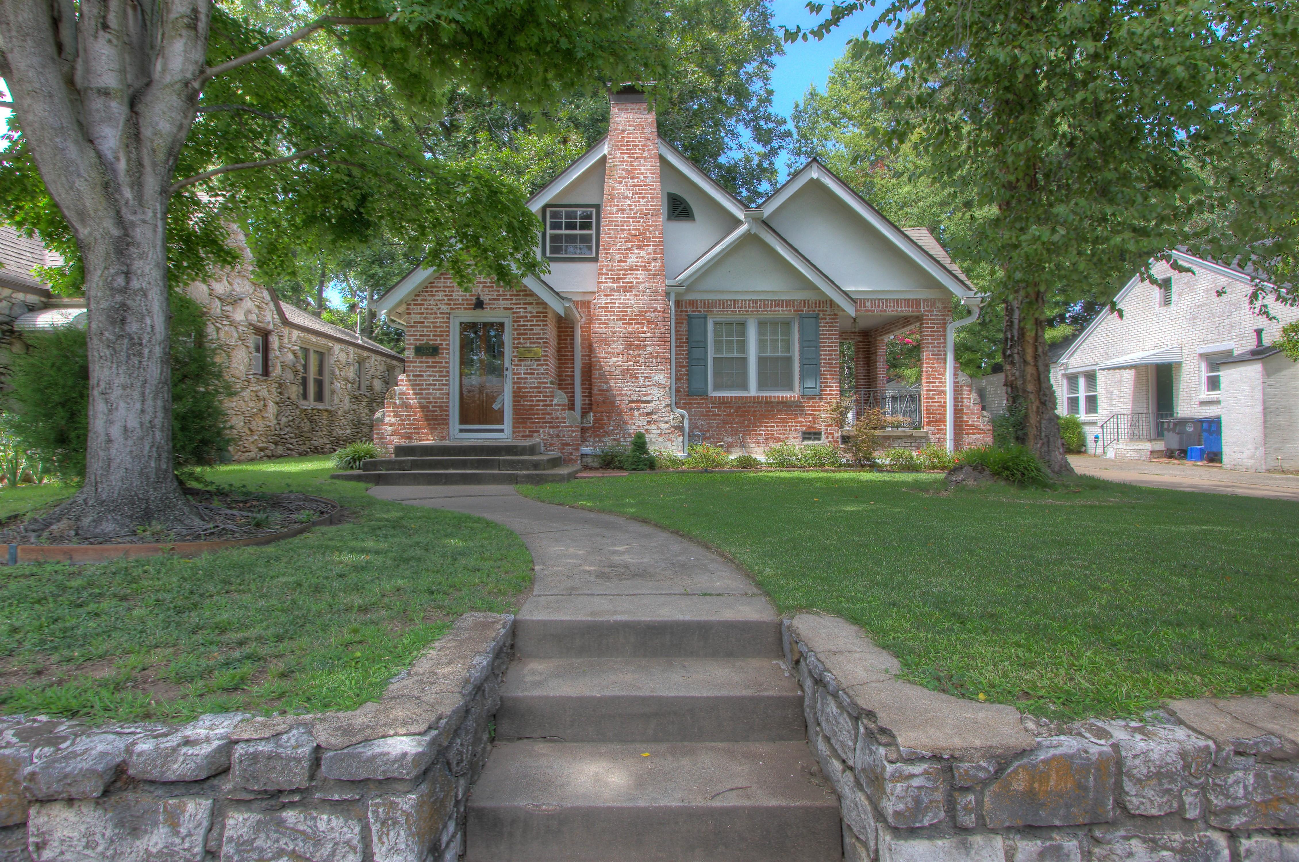 1324 S College Avenue Property Photo