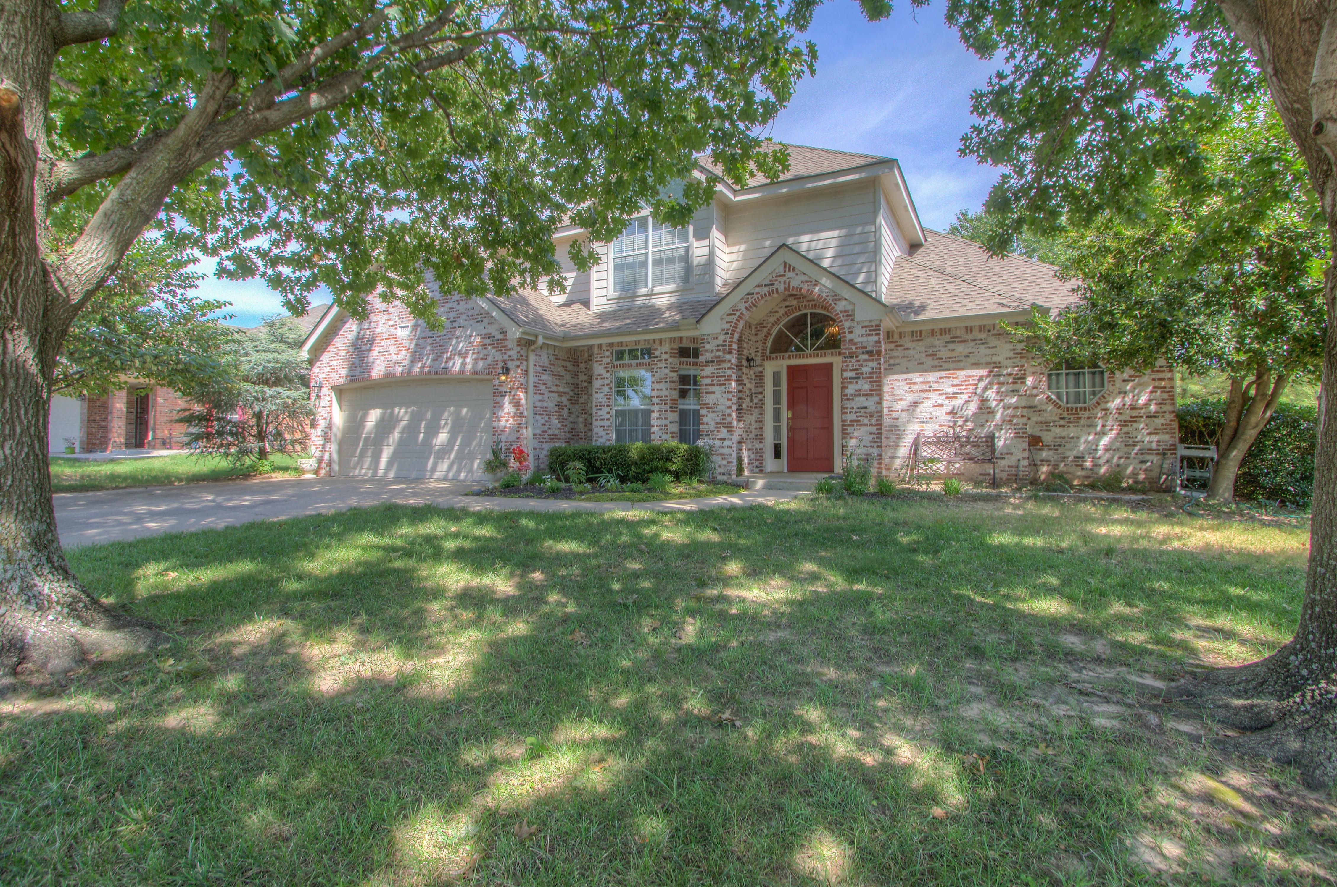 8923 E 100th Drive Property Photo 1
