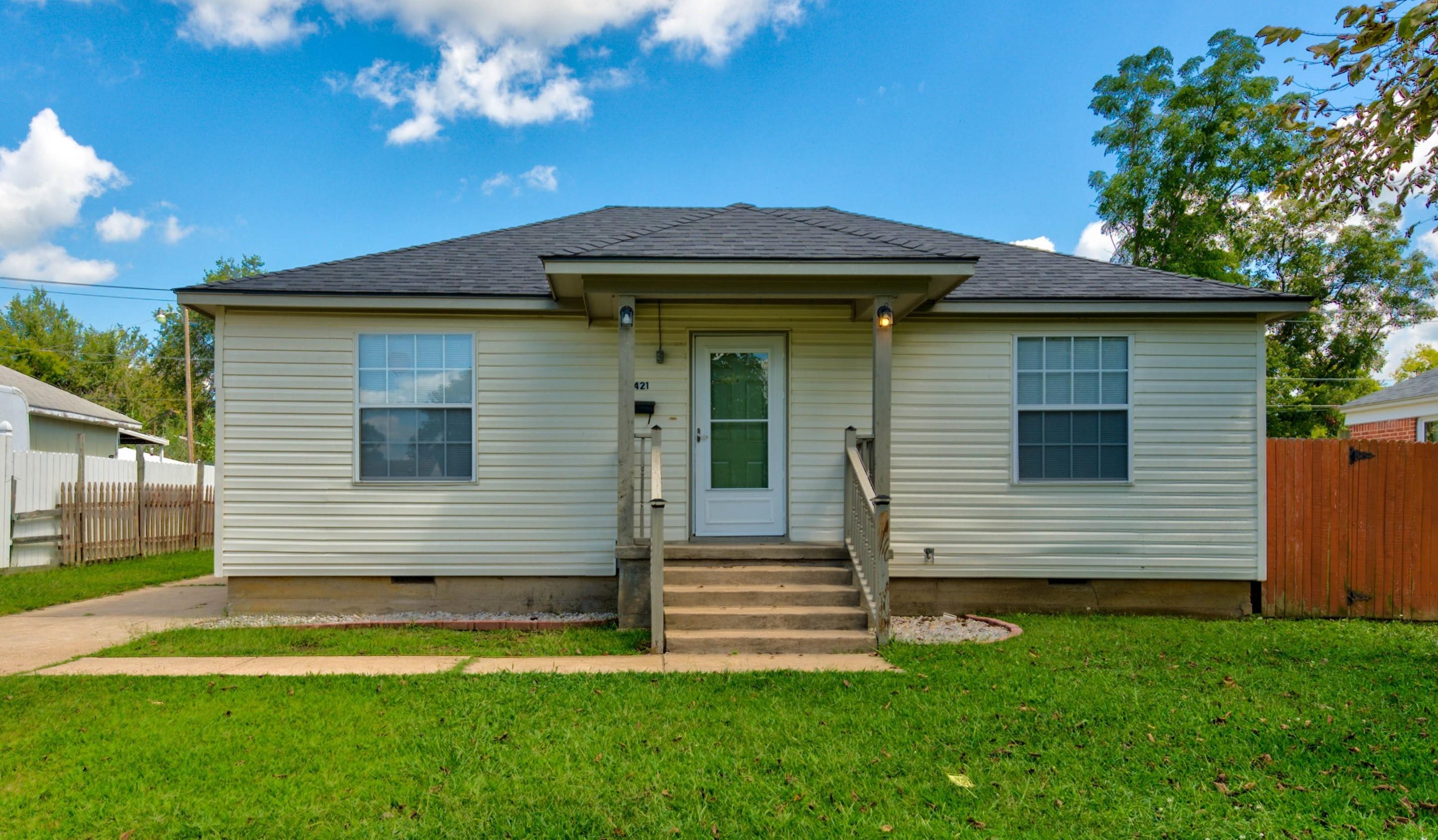 421 N Elizabeth Street Property Photo