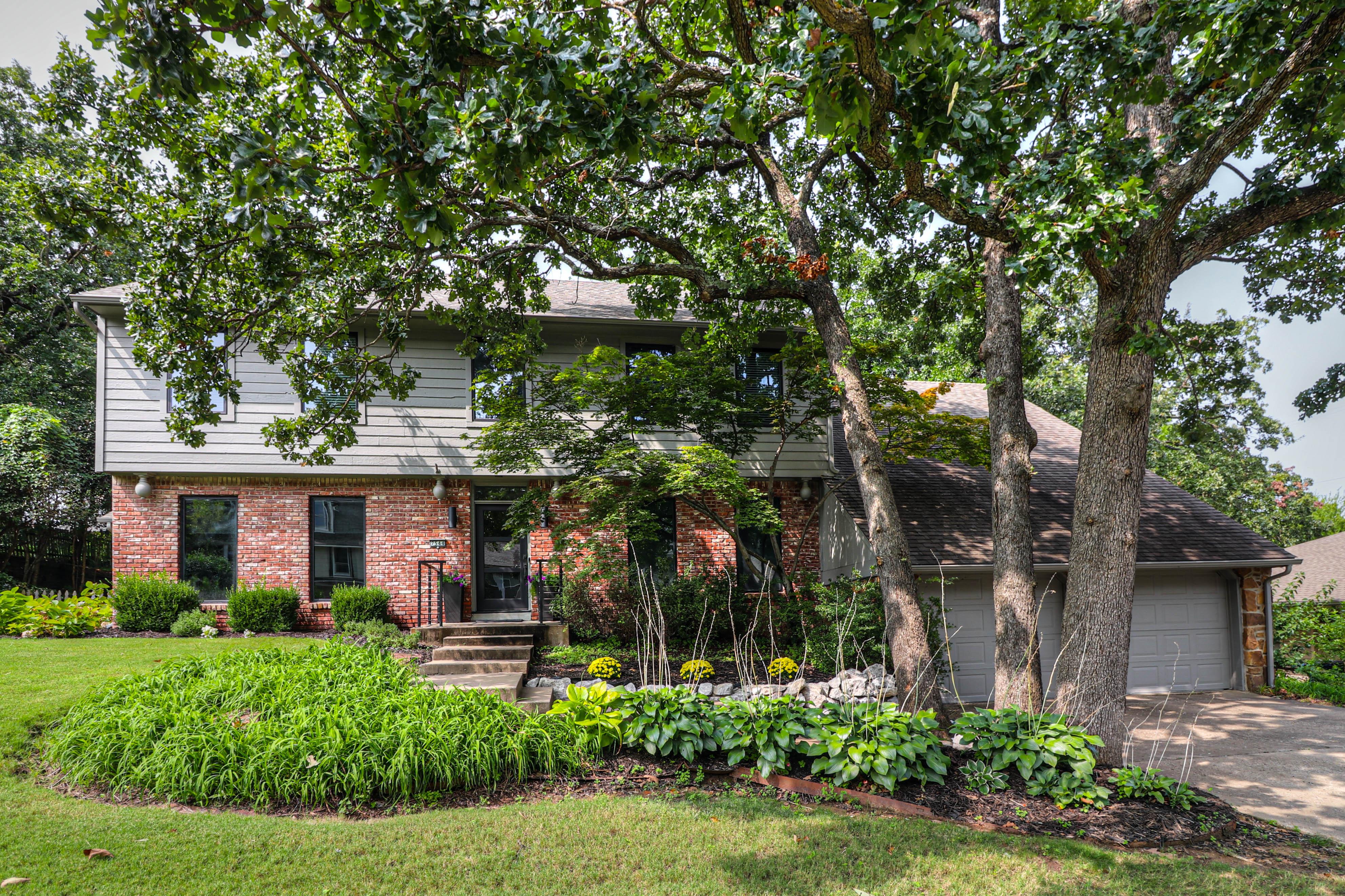 7544 S Urbana Avenue Property Photo