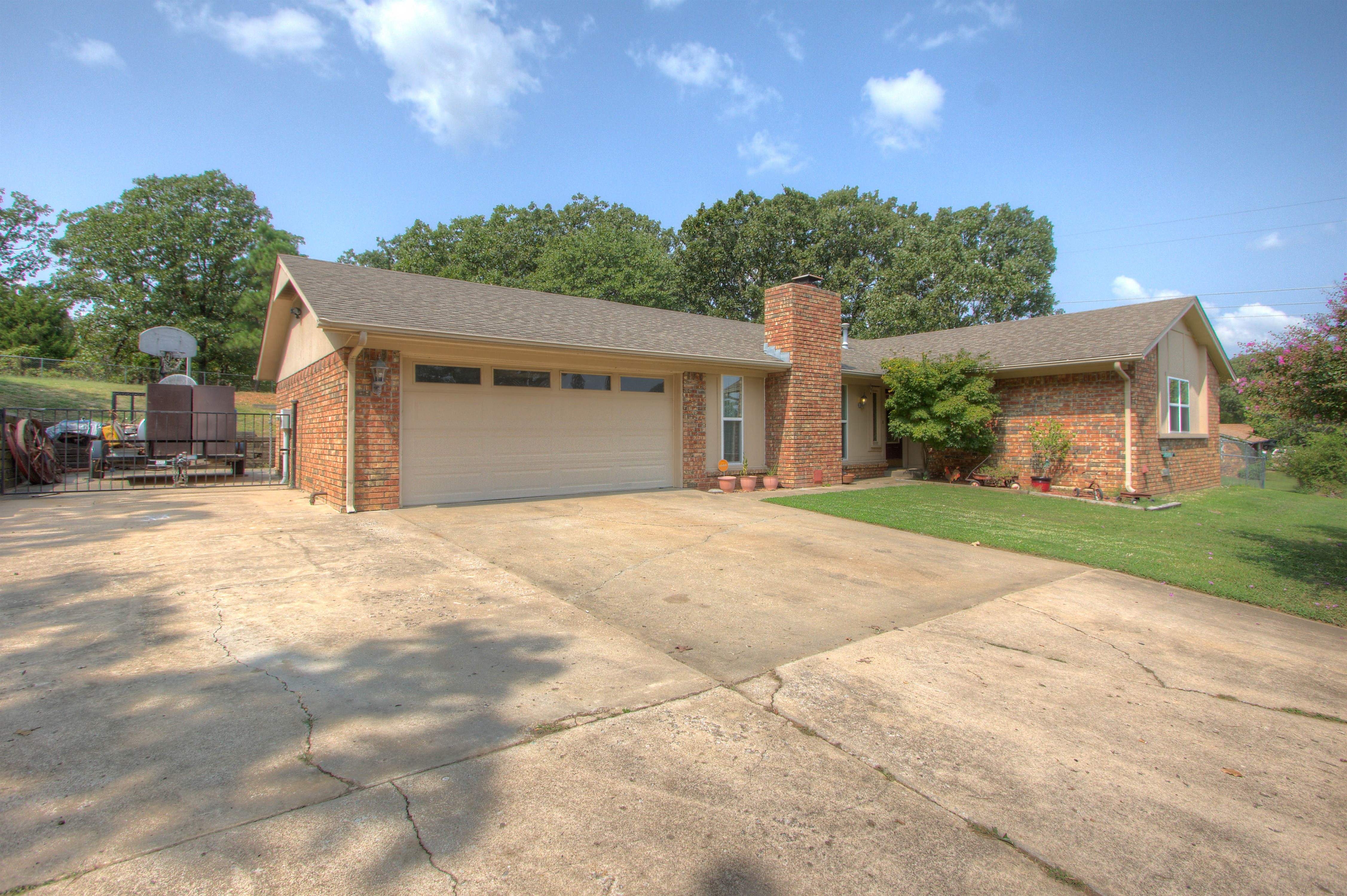 2106 Timber Hill Drive Property Photo