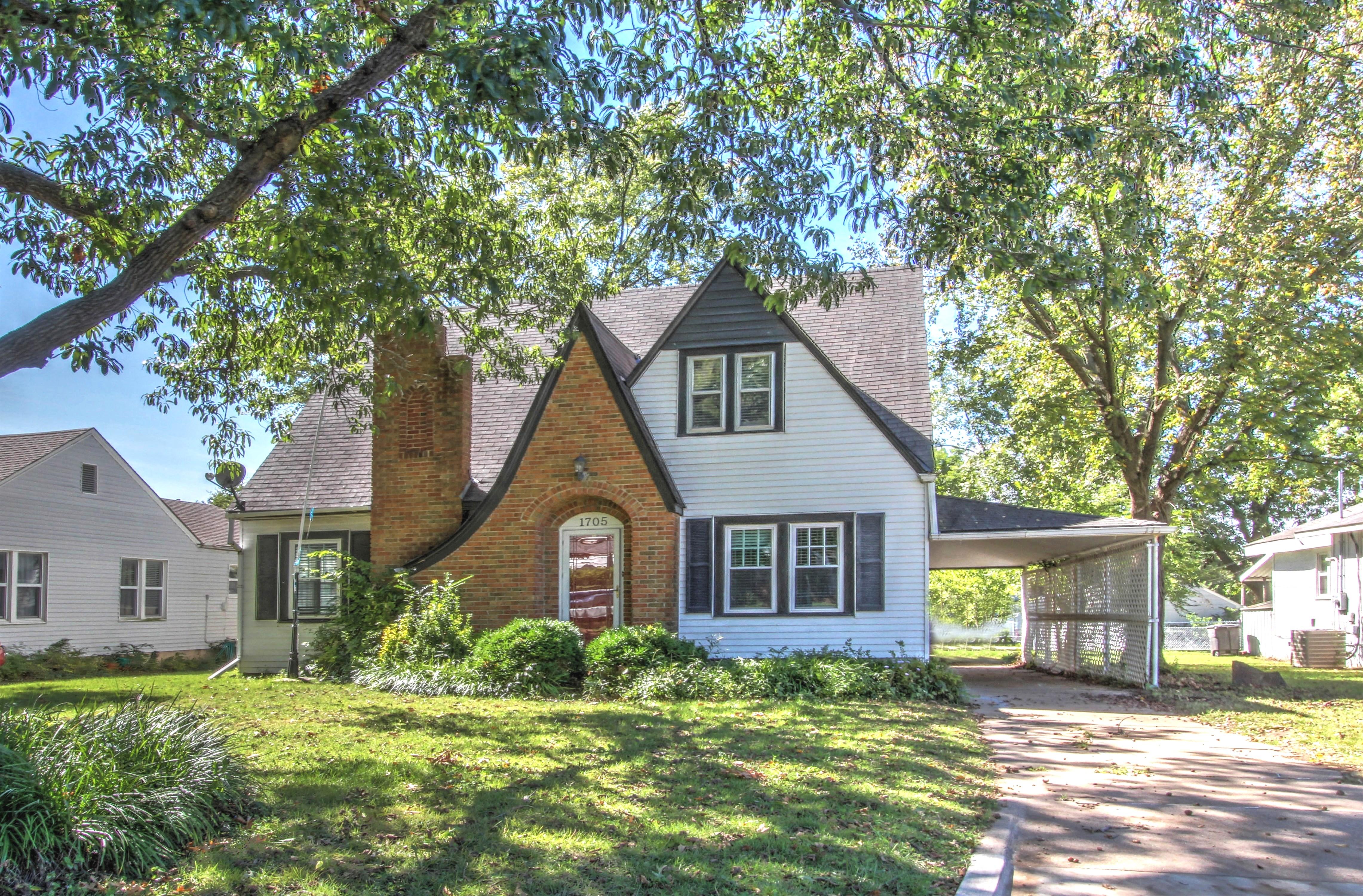 1705 S Keeler Avenue Property Photo