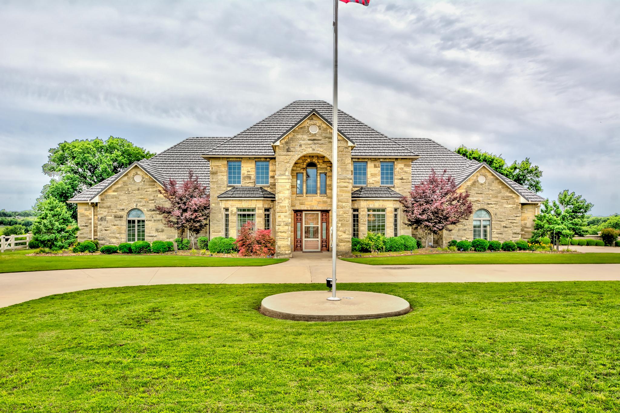 5400 E Prospect Avenue Property Photo
