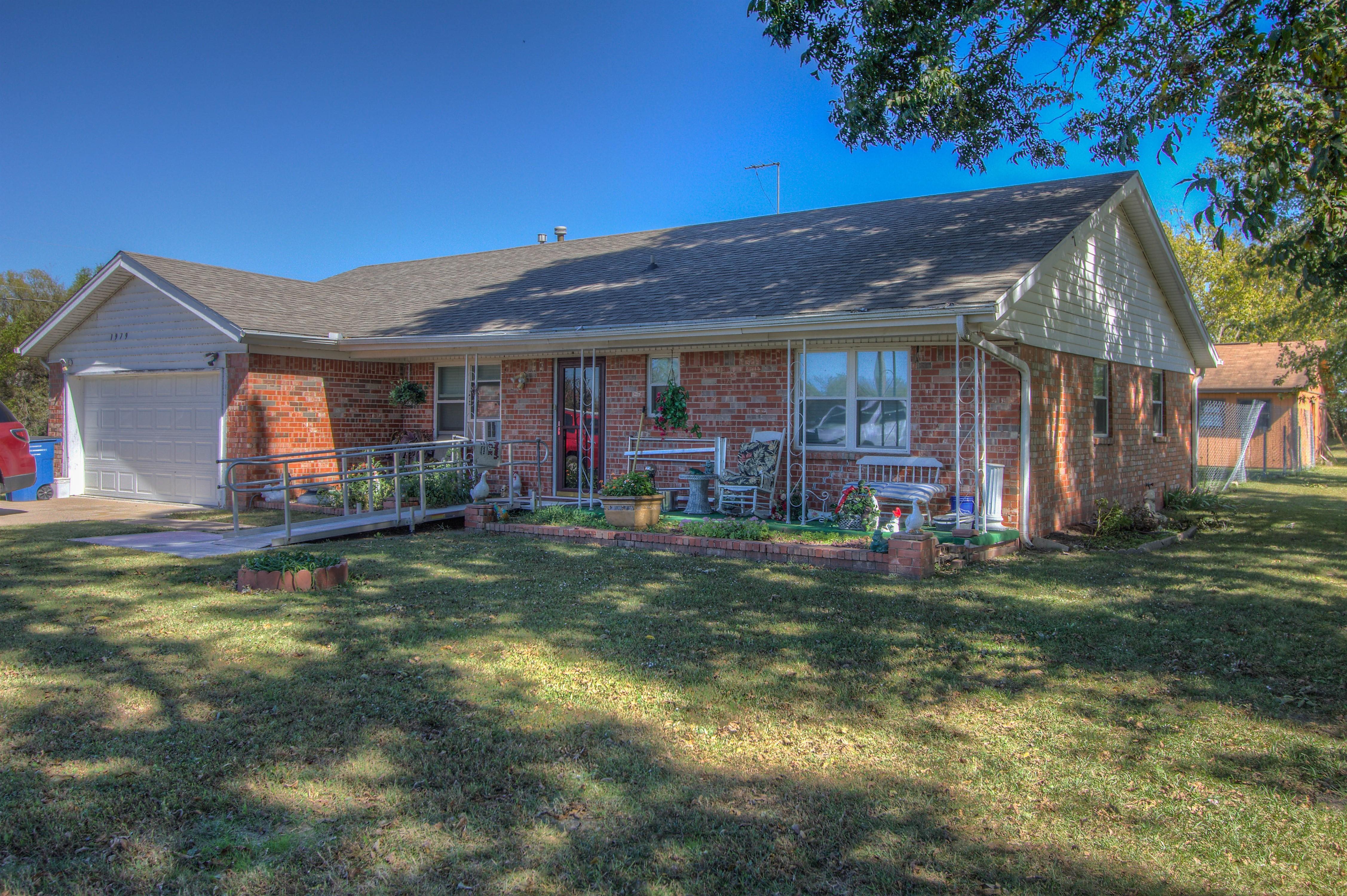 19791 S Lewis Avenue Property Photo