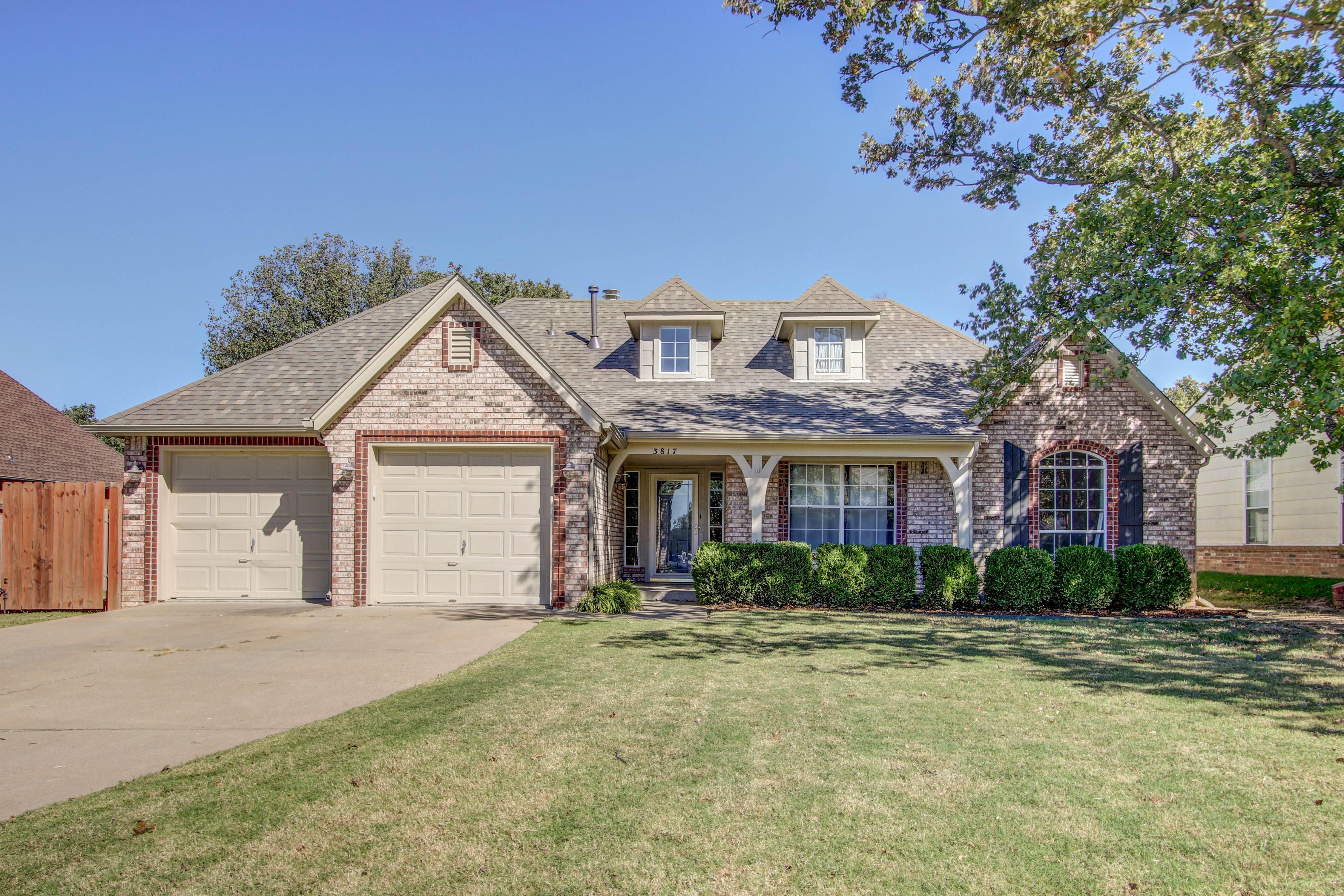 3817 S Rolling Oaks Drive Property Photo 1