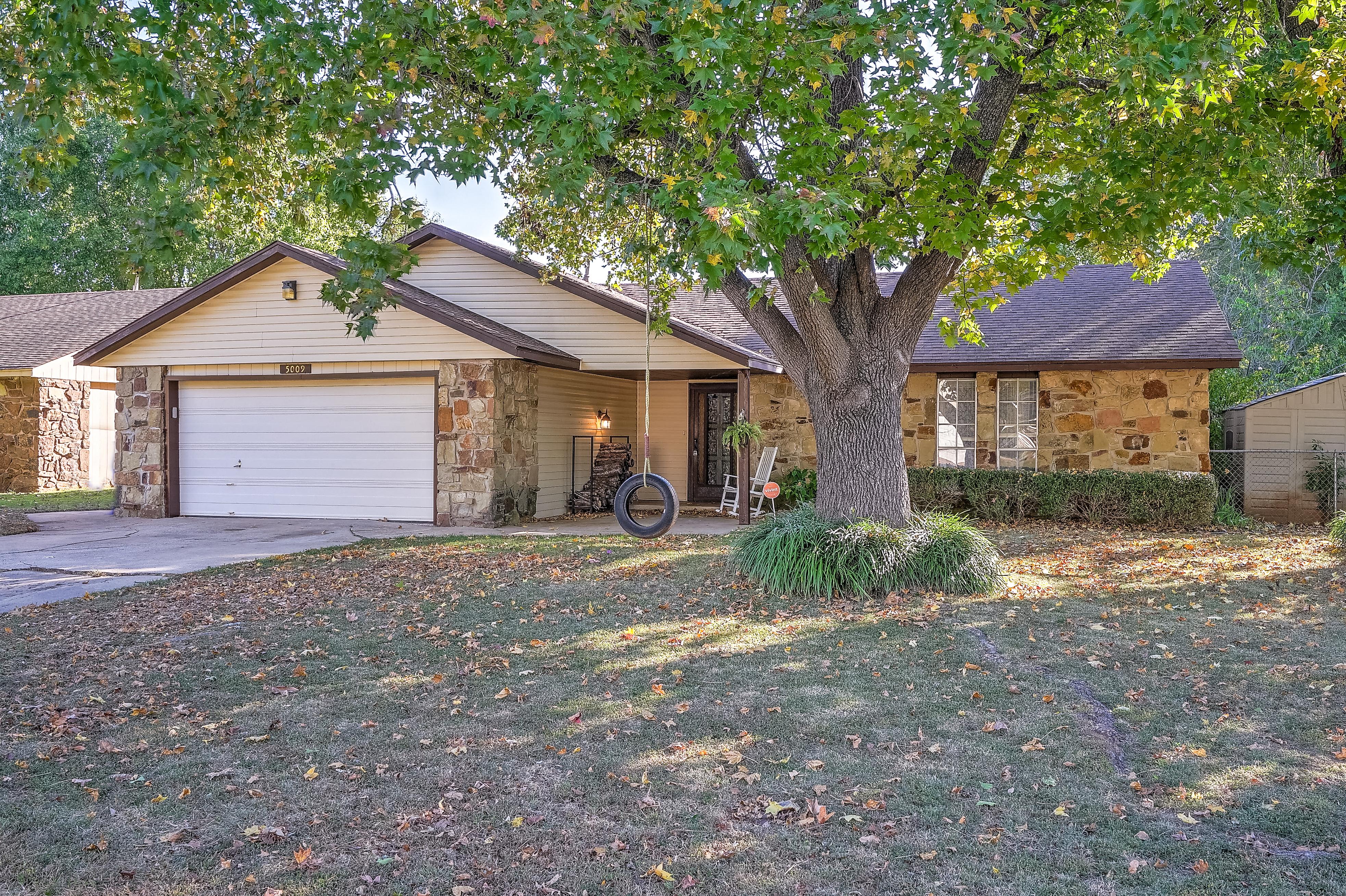 5009 S Birch Avenue Property Photo 1