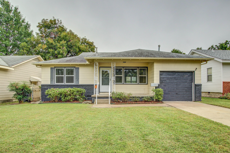 6314 E 5th Place Property Photo 1