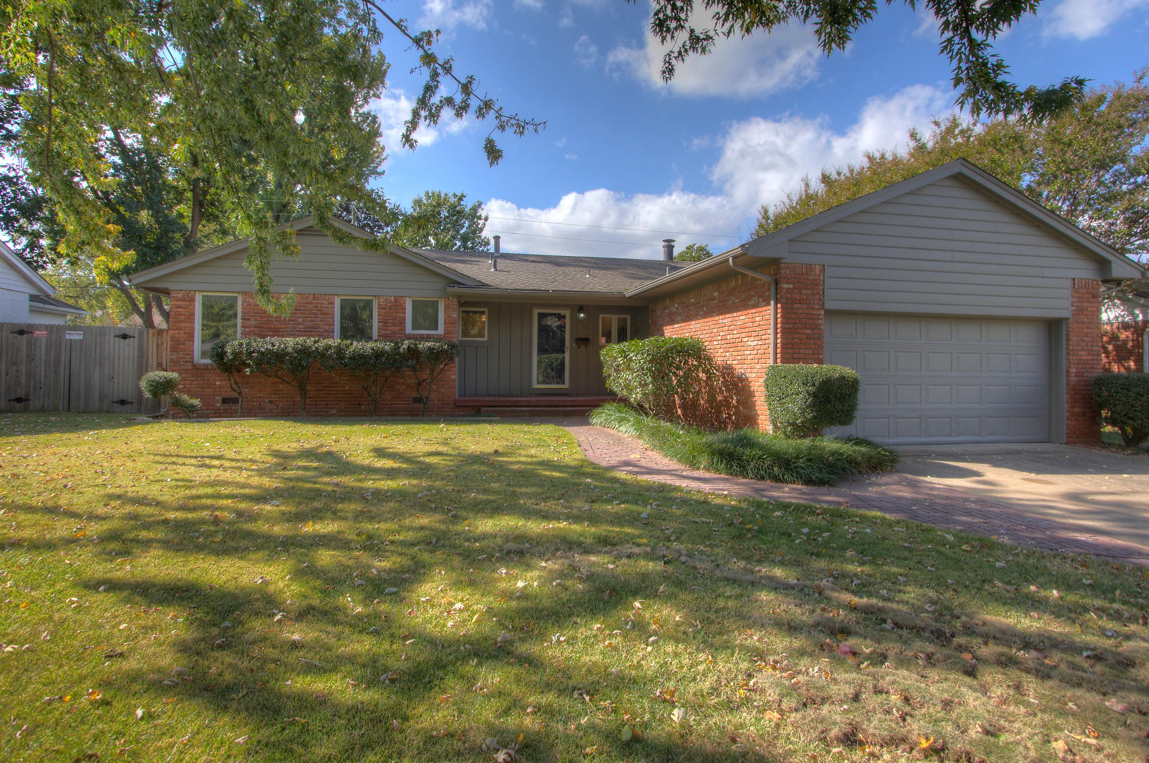 4350 E 58th Street Property Photo