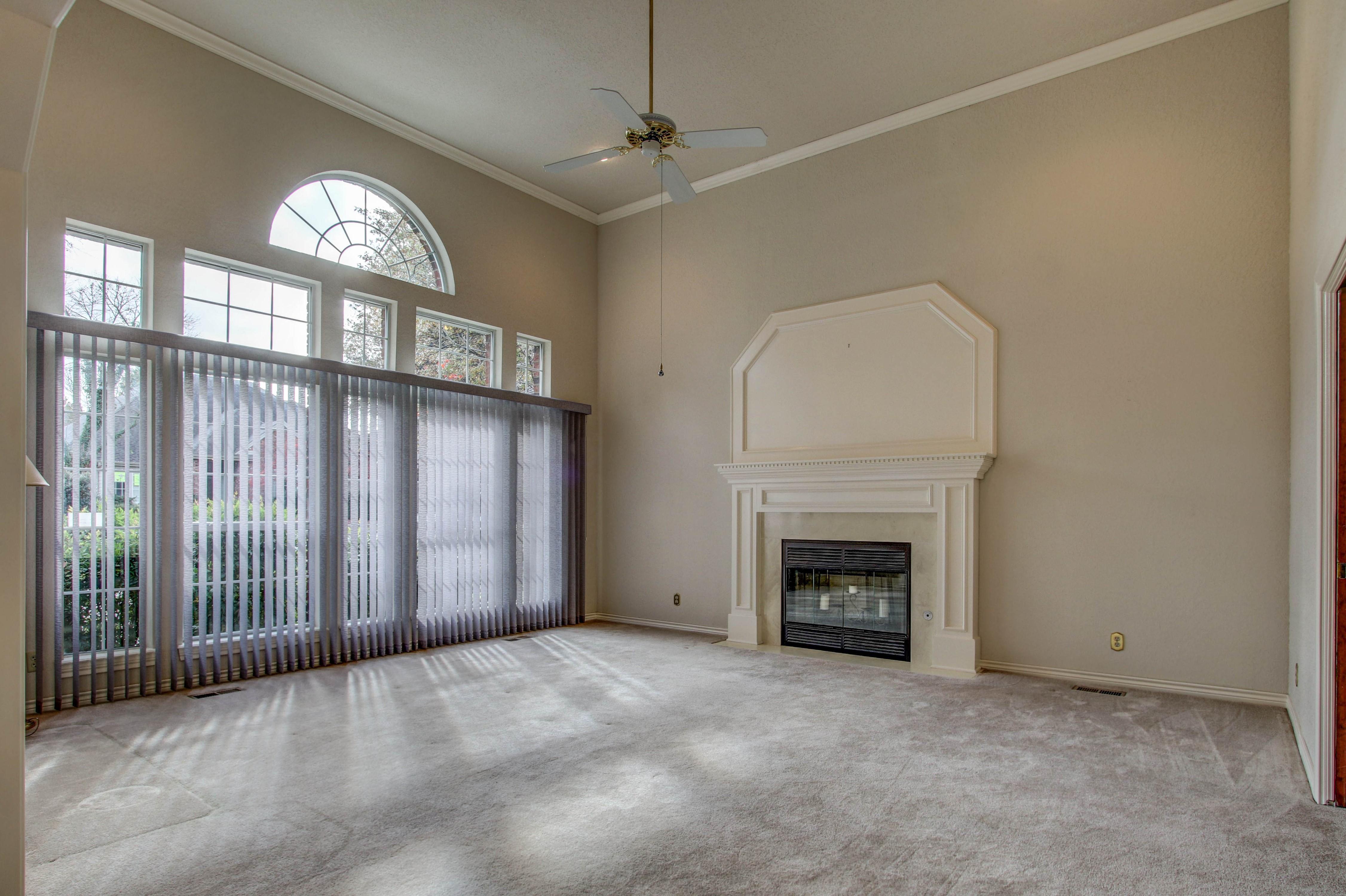 5127 E 86th Place Property Photo 4