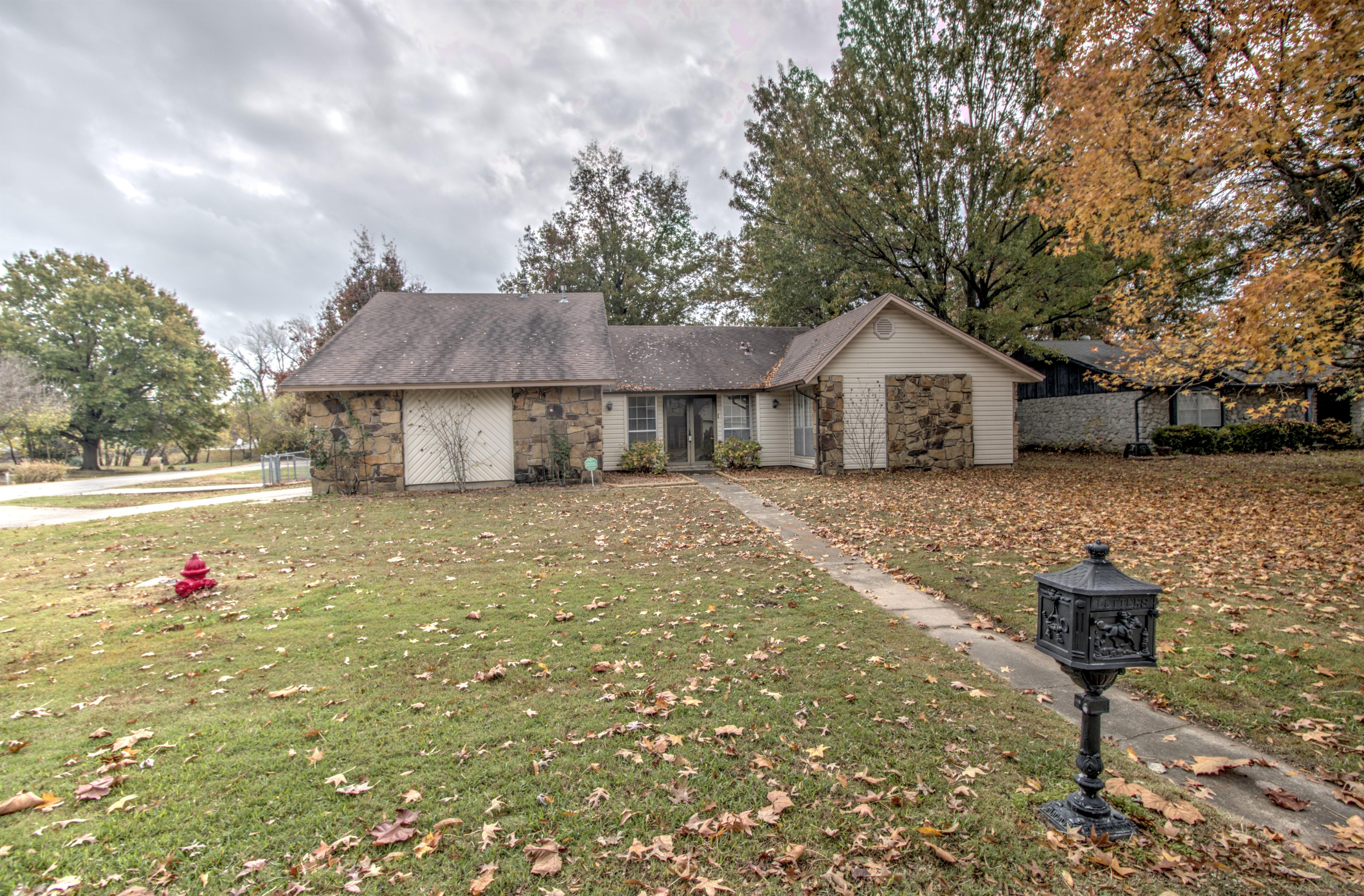 2501 W Greeley Street Property Photo