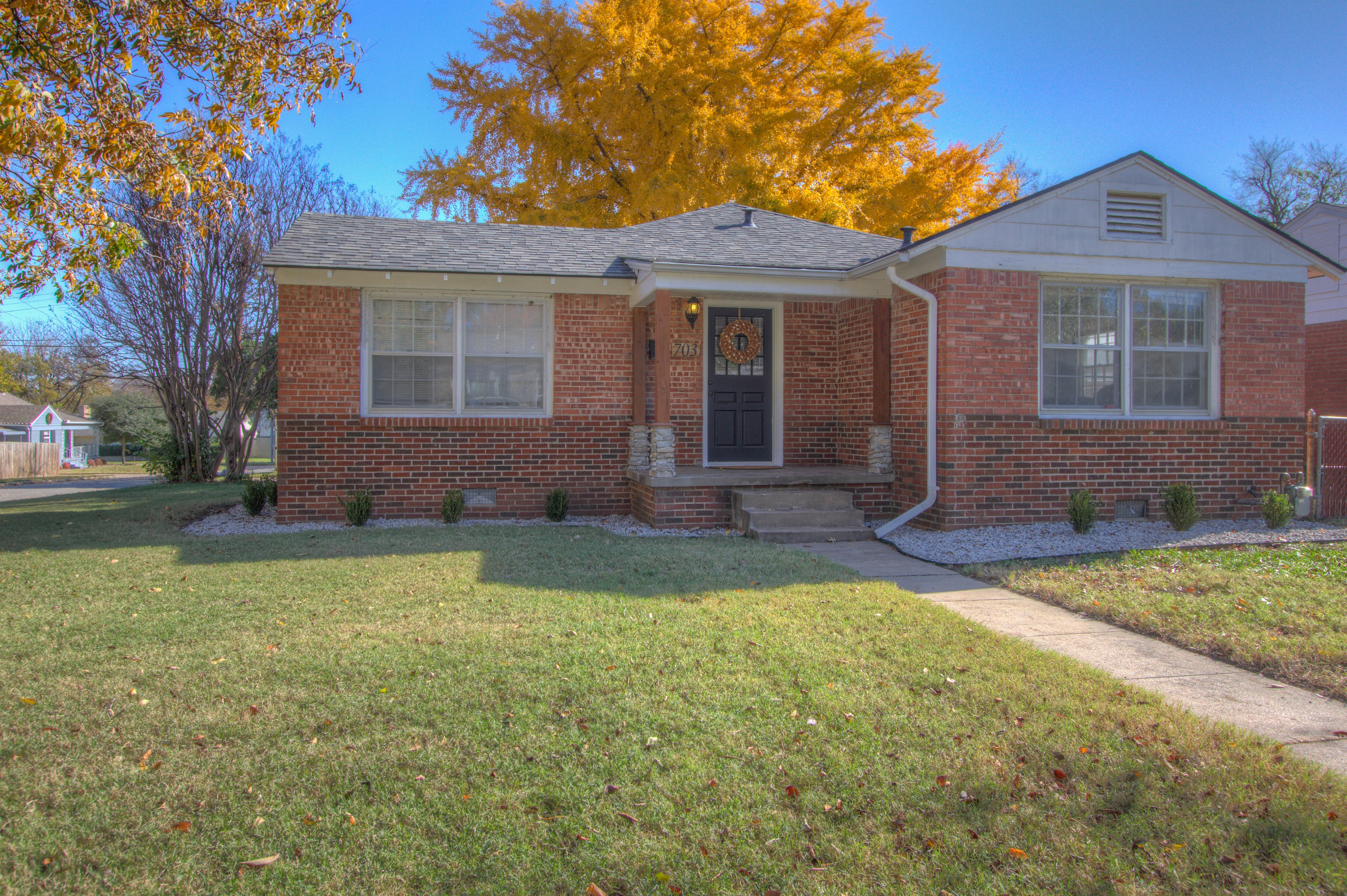 703 S Richmond Avenue Property Photo
