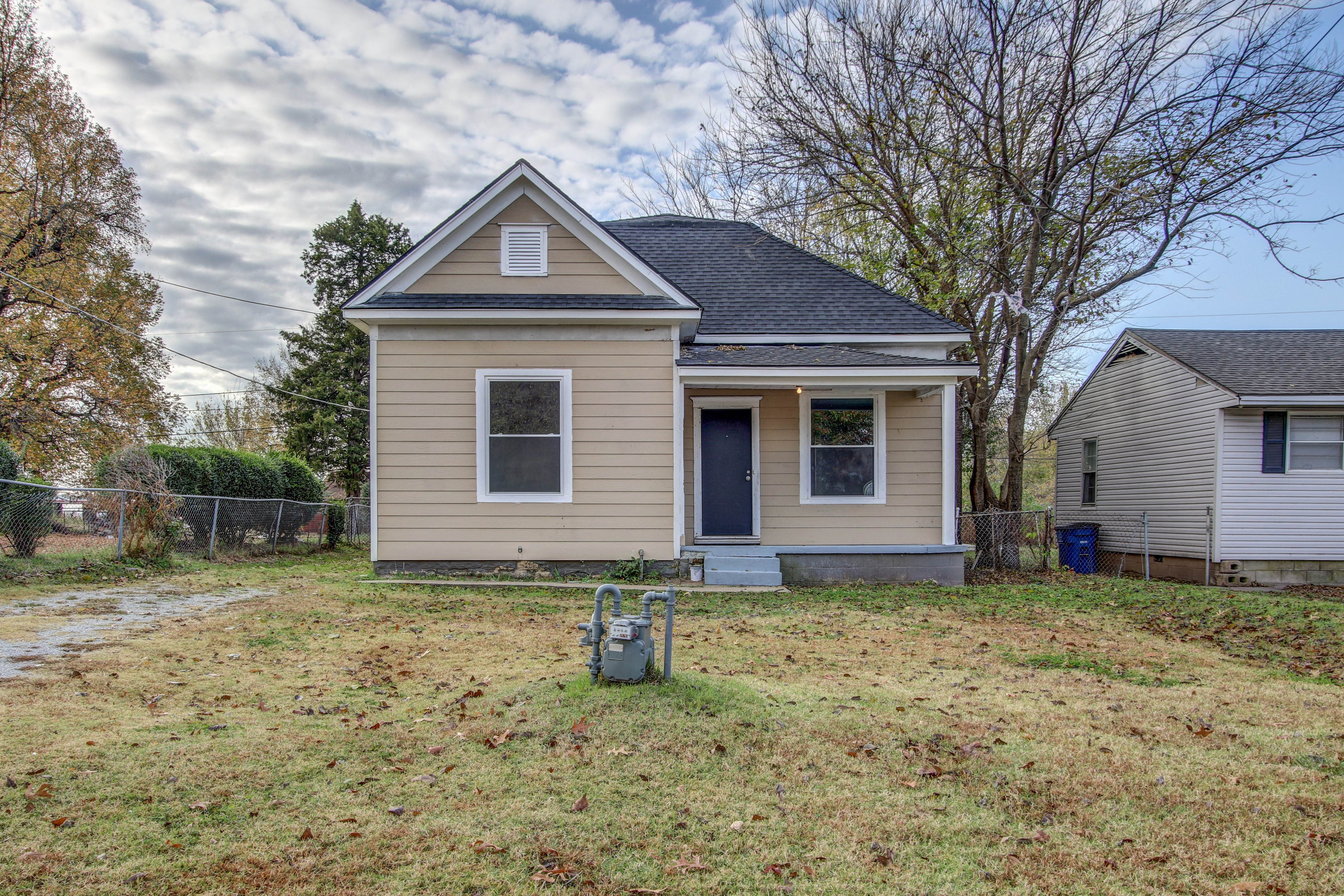 2534 W Easton Street Property Photo