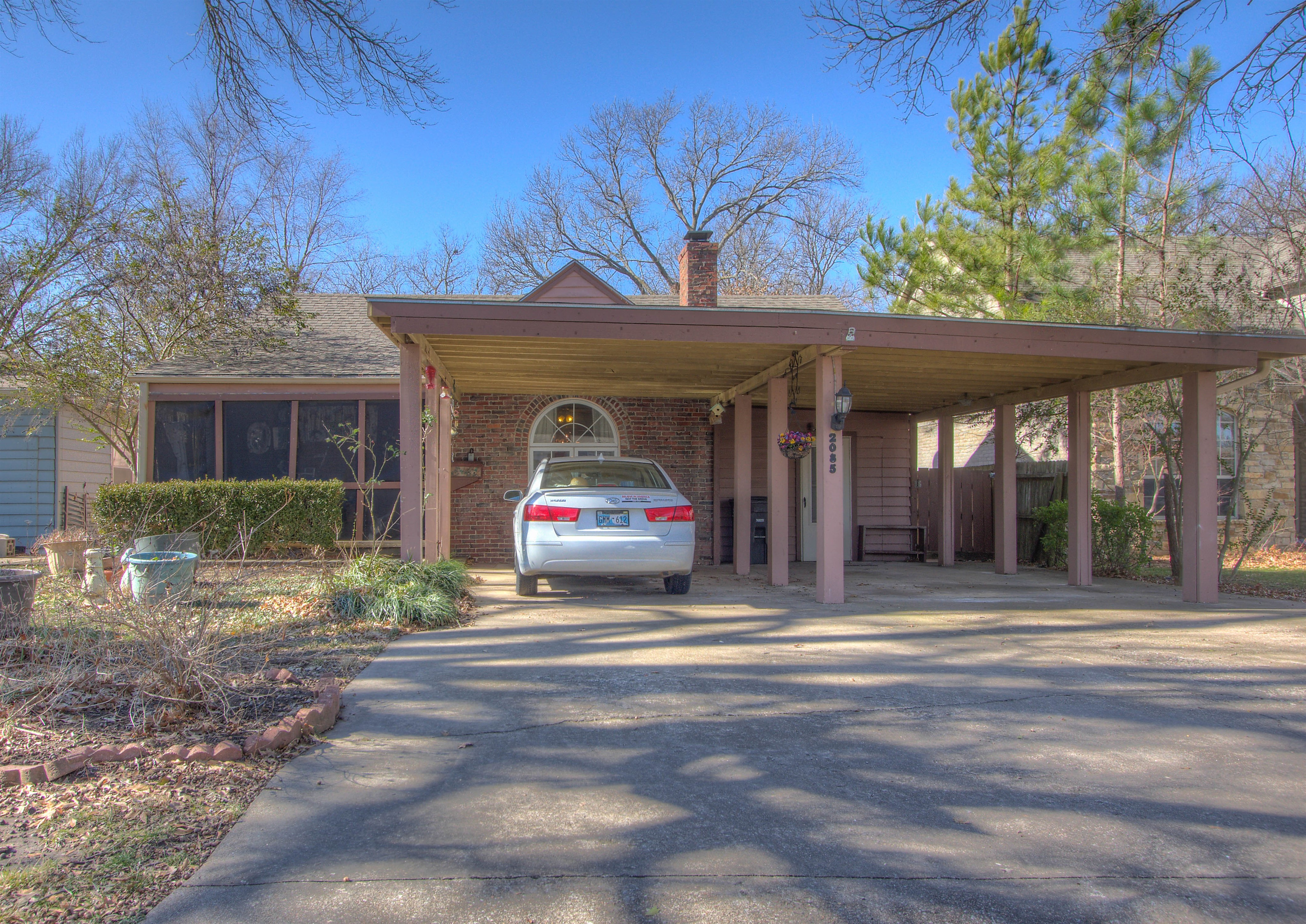 2085 S Osage Avenue Property Photo